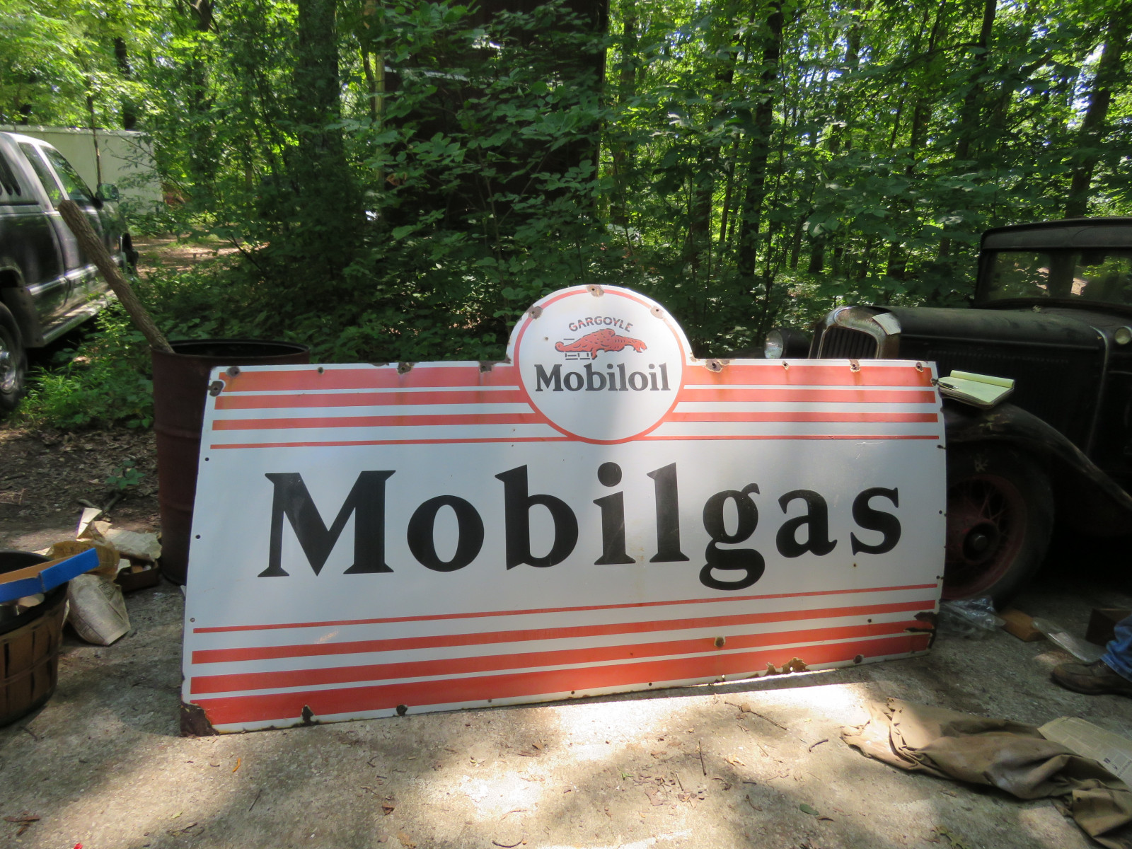 MobilOil Single Sided Porcelain Sign 8.5x4.5 ft - Image 1