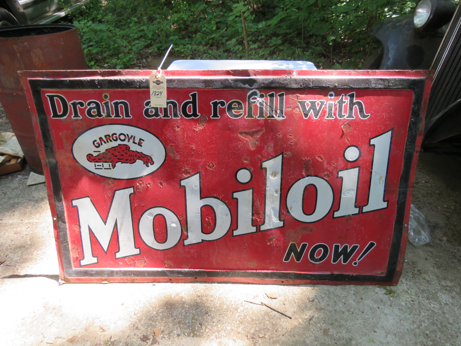 MobilOil Painted Tin Single Sided Sign 3x5 ft - Image 1