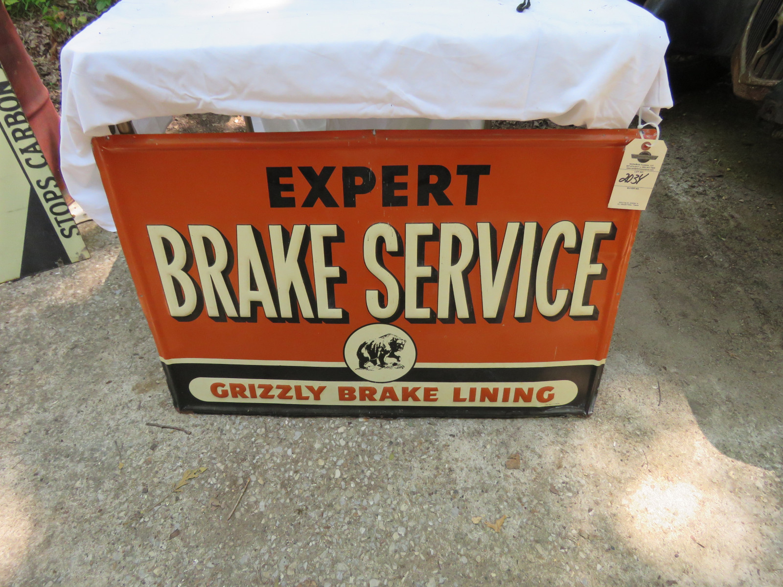 Grizzley Brake Painted Tin Sign - Image 1