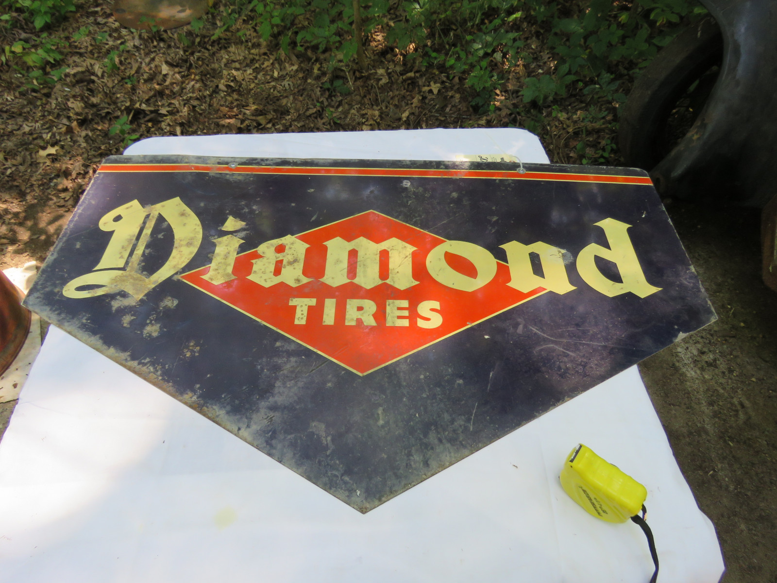 Diamond Tires Painted Tin SS Sign - Image 2