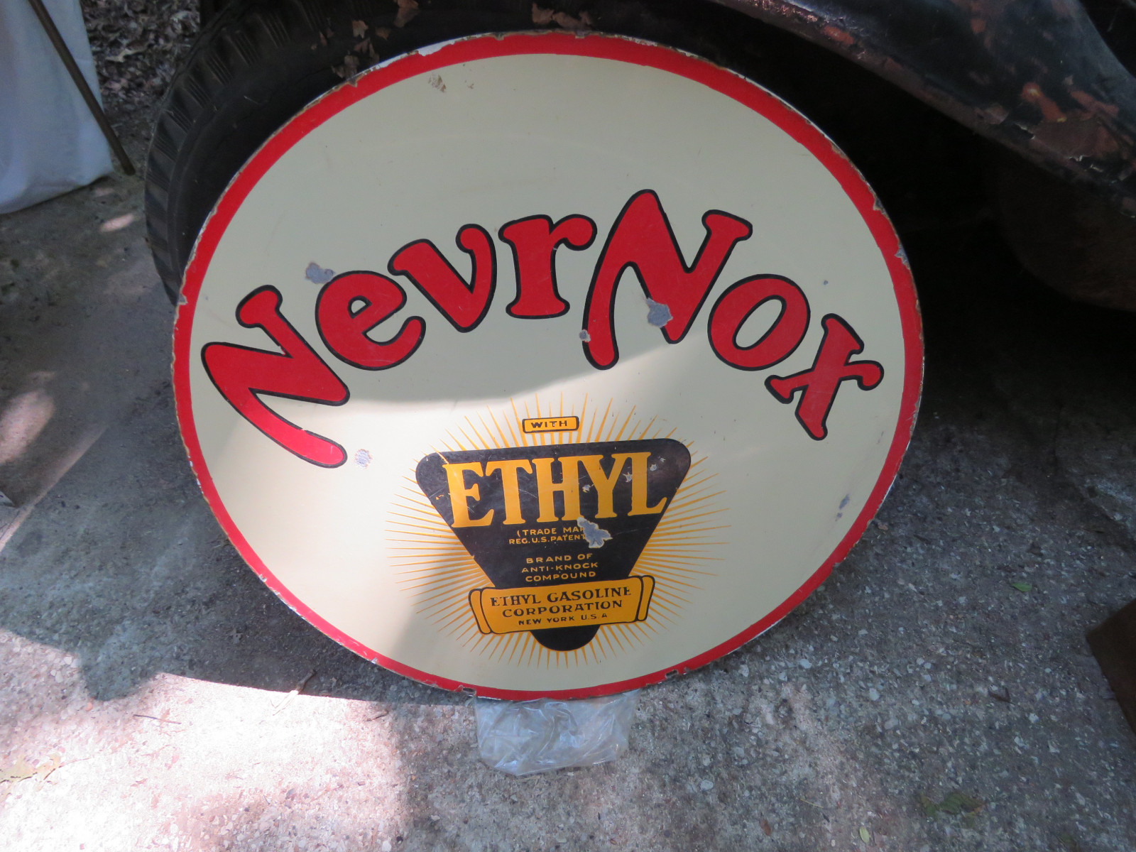 Never-Nox DS Porcelain Sign 29 inches Round - Image 2
