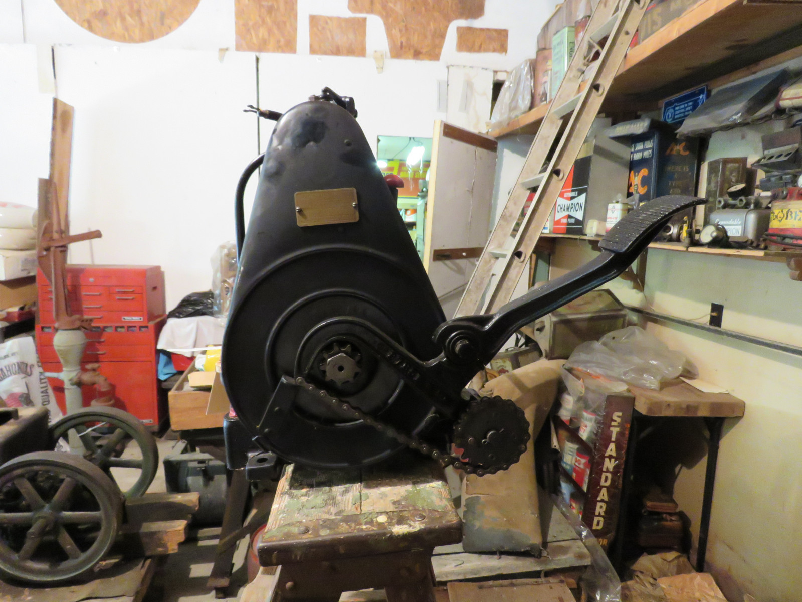 Briggs & Stratton Slant Fin Stationary Engine - Image 2