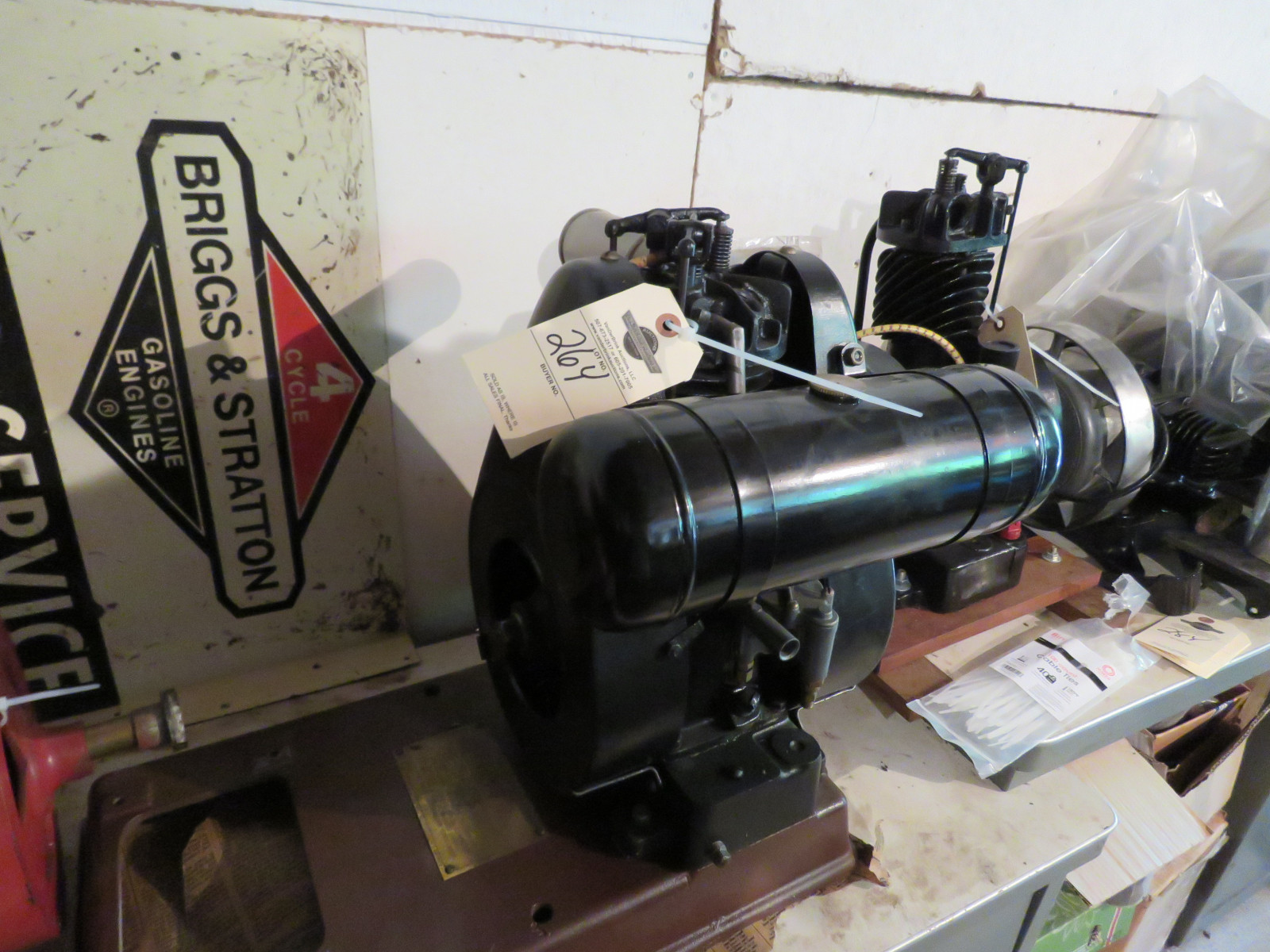Briggs & Stratton Model FI Stationary Engine - Image 1
