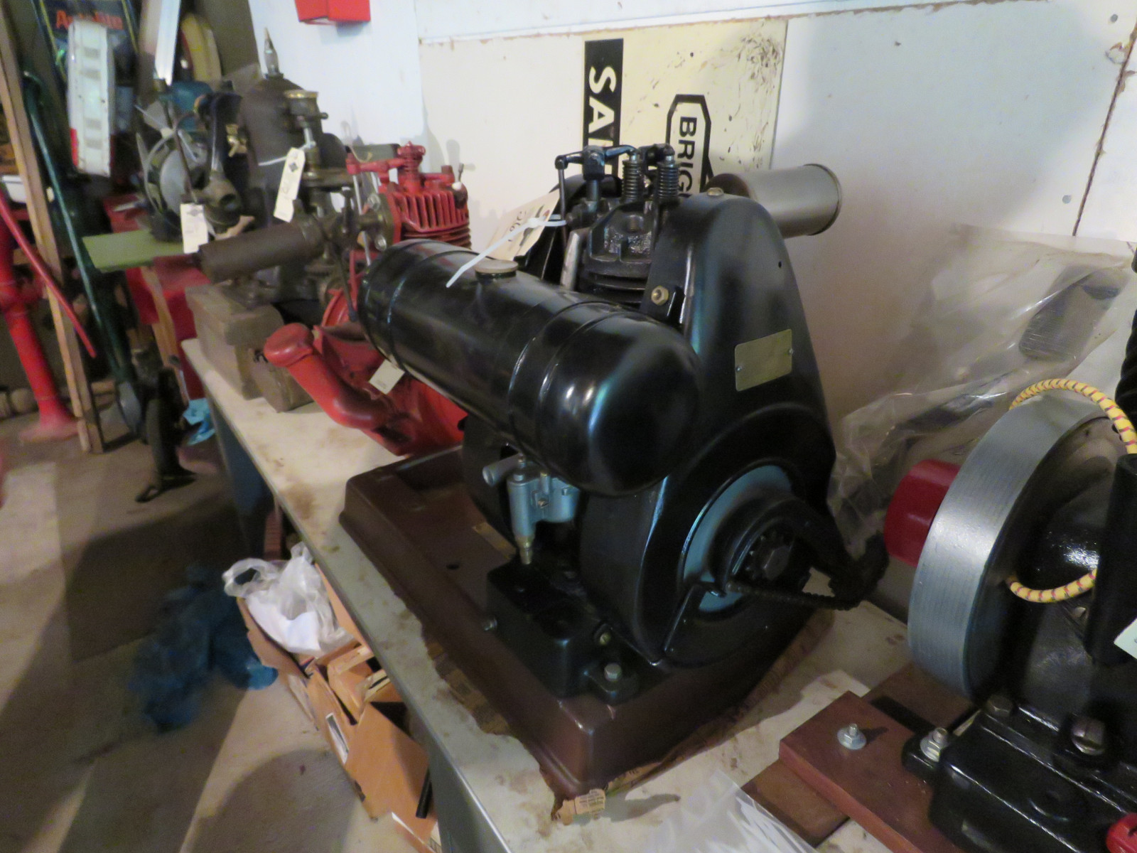 Briggs & Stratton Model FI Stationary Engine - Image 3