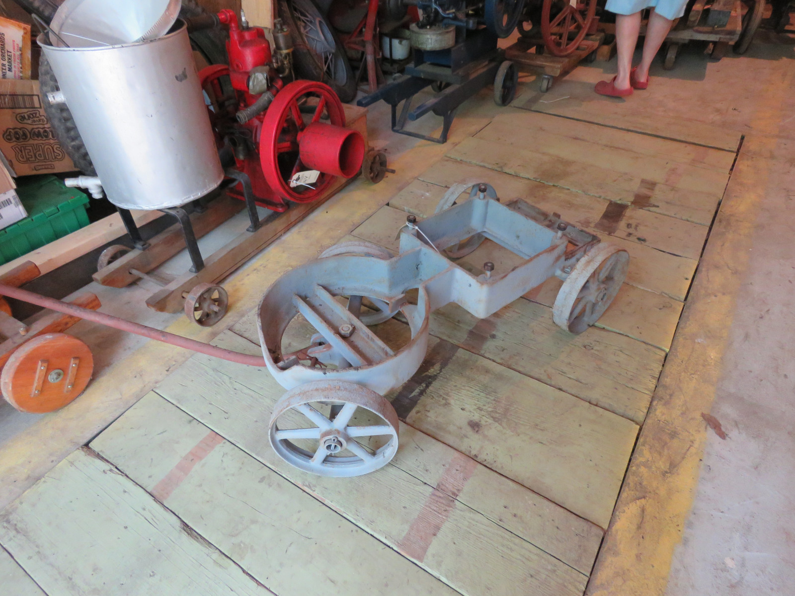 Rare Banjo Stationary Engine Cart - Image 1