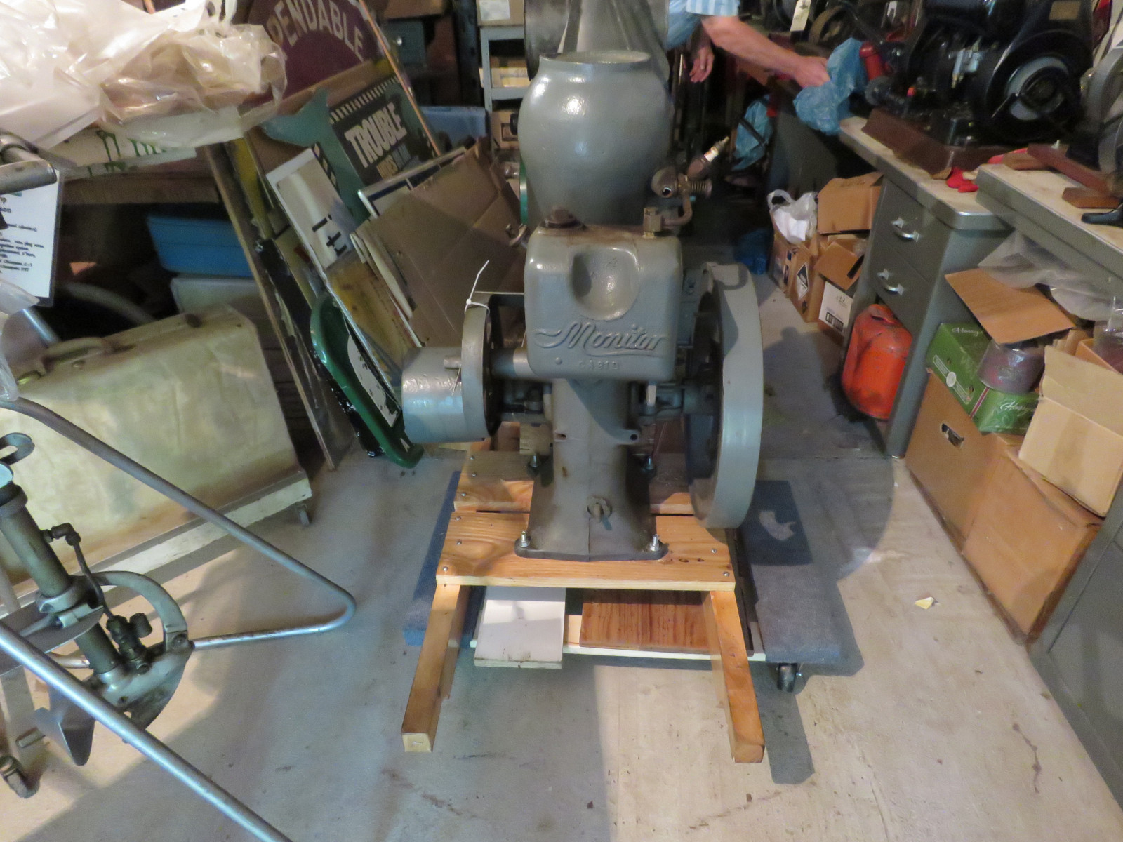 Monitor 1 1/4hp Stationary Gas Engine - Image 4