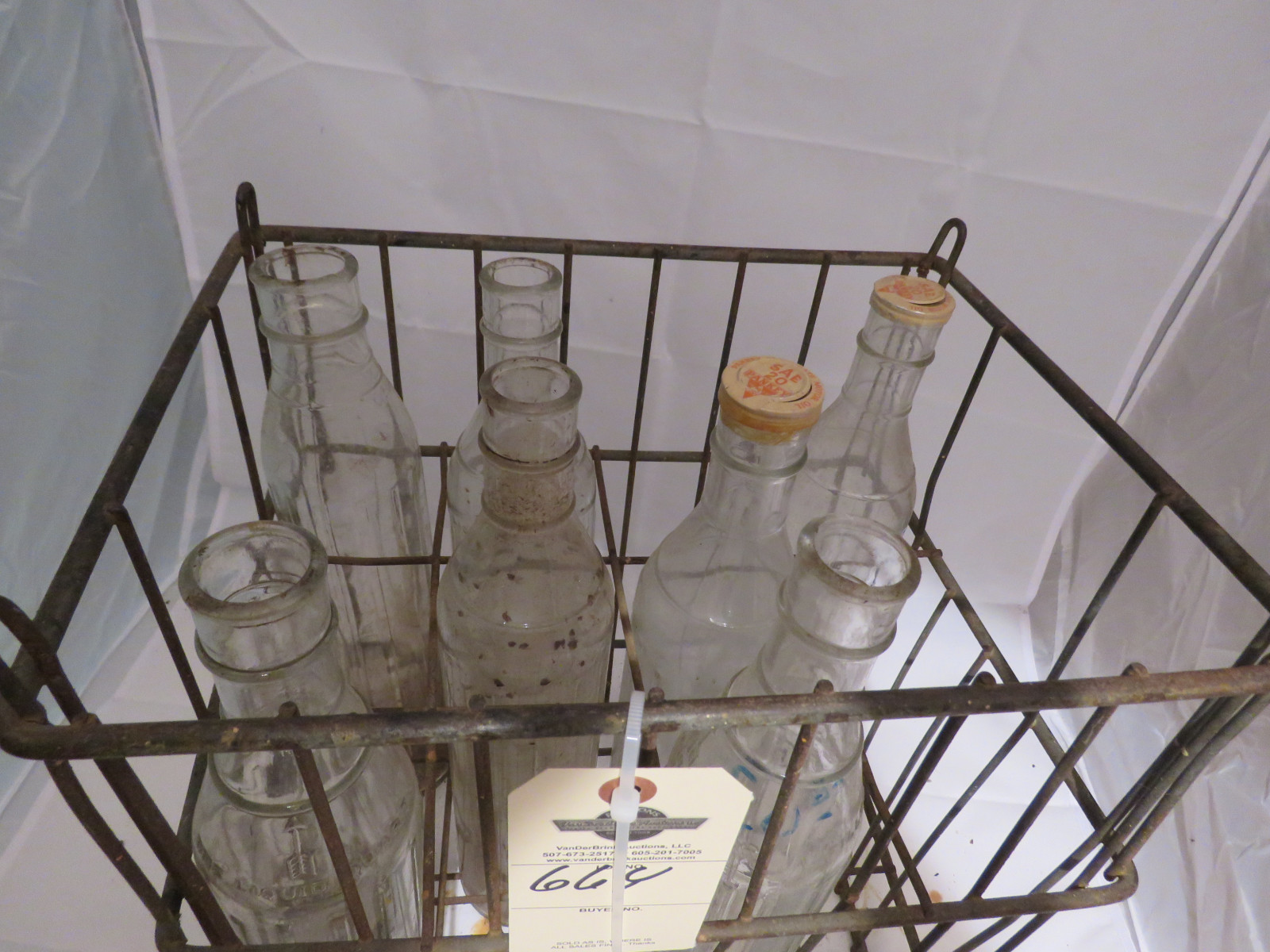 U Neek Brand 7 Glass Oil Bottles and Rack - Image 4