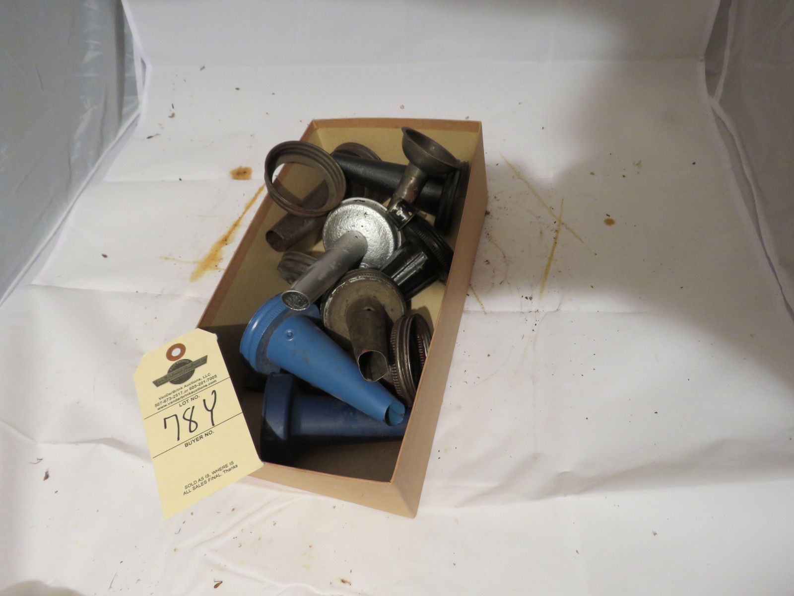 Mixed Lot of Oil Bottle metal spouts - Image 1
