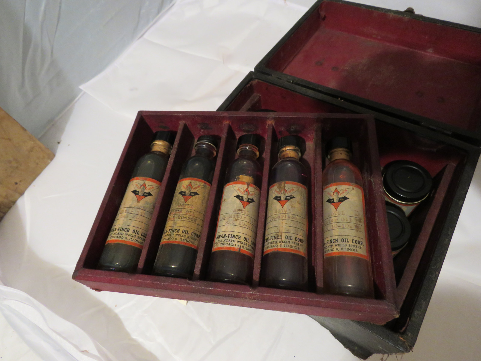 Swan-Finch Oil Company Salesman Sample Kit - Image 3