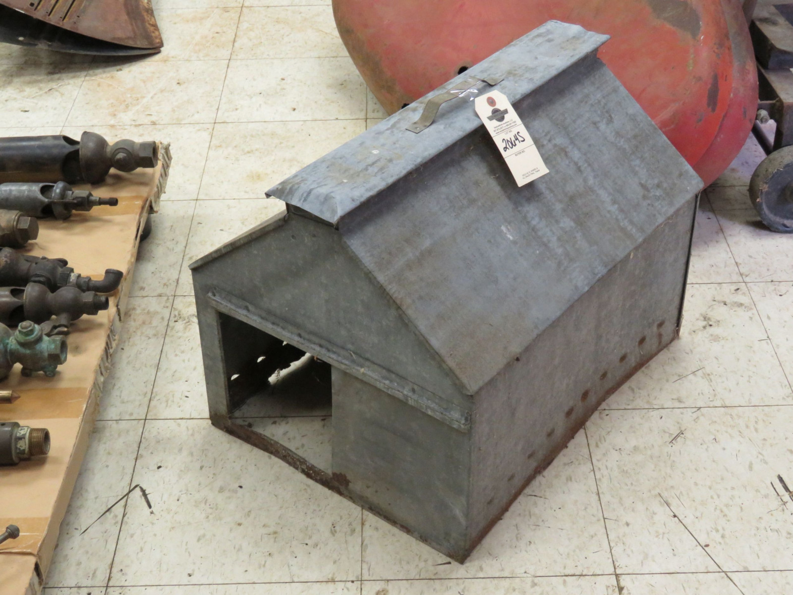 Portable Chicken House - Image 2