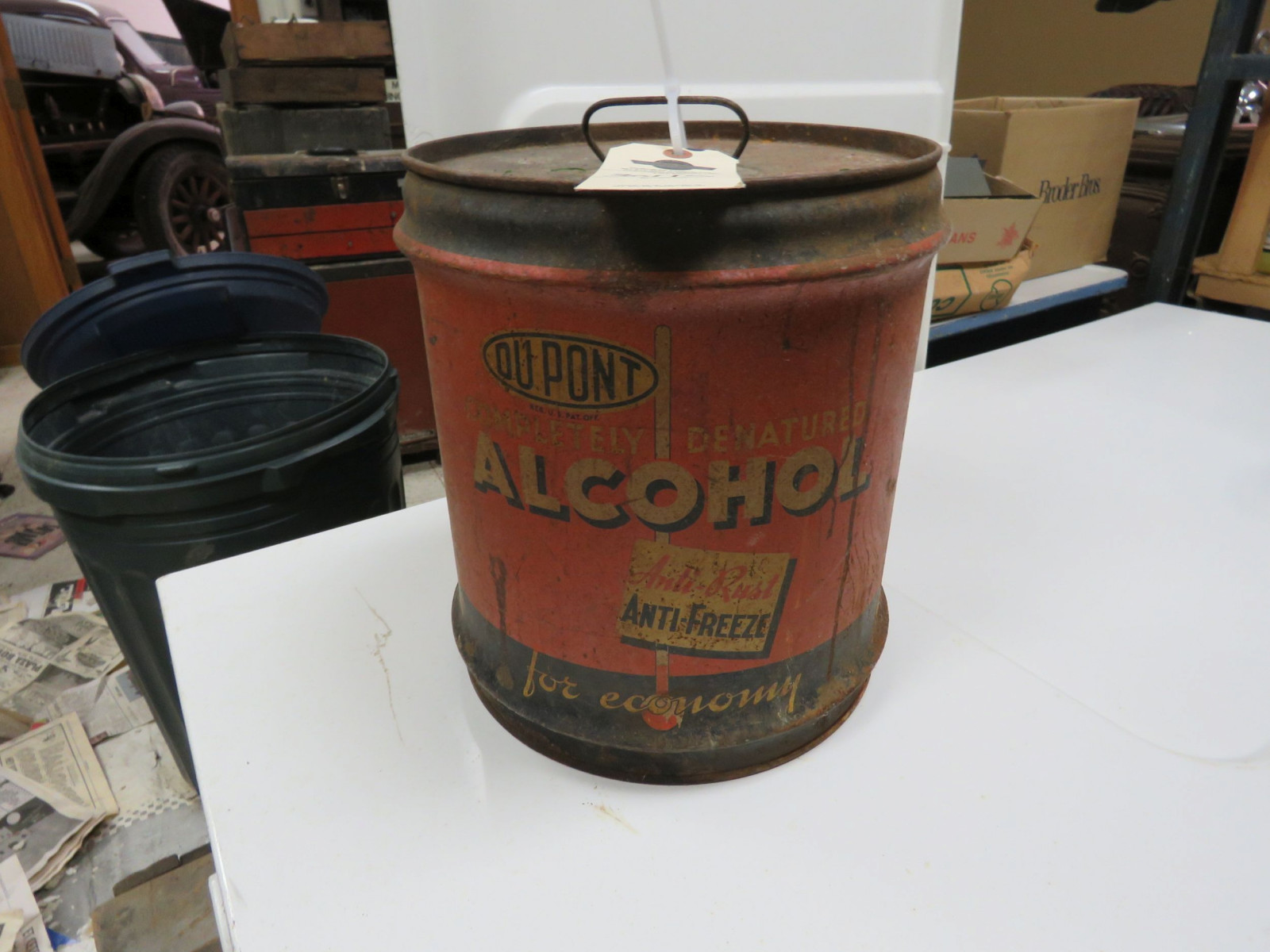 Dupont alcohol 5 Gallon can Empty - Image 2