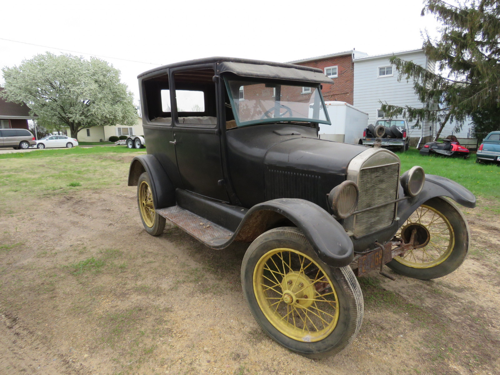 1927 Ford Model T 2dr Sedan - Image 3