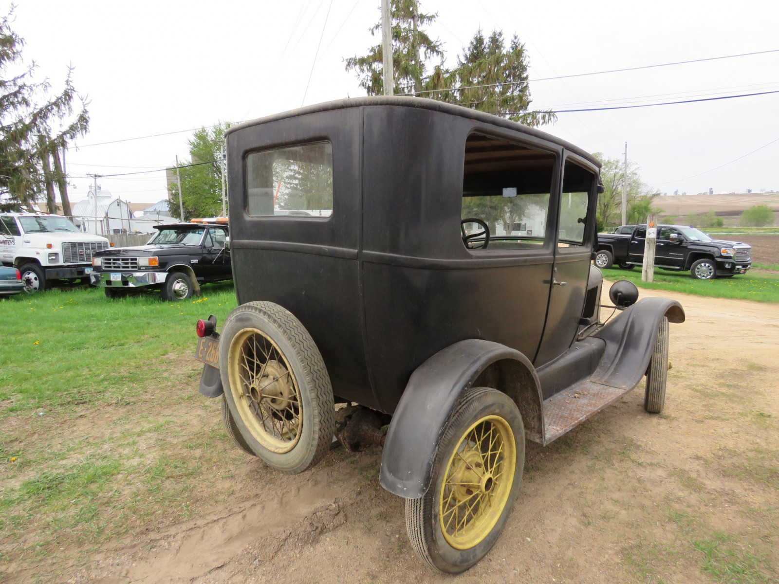 1927 Ford Model T 2dr Sedan - Image 4