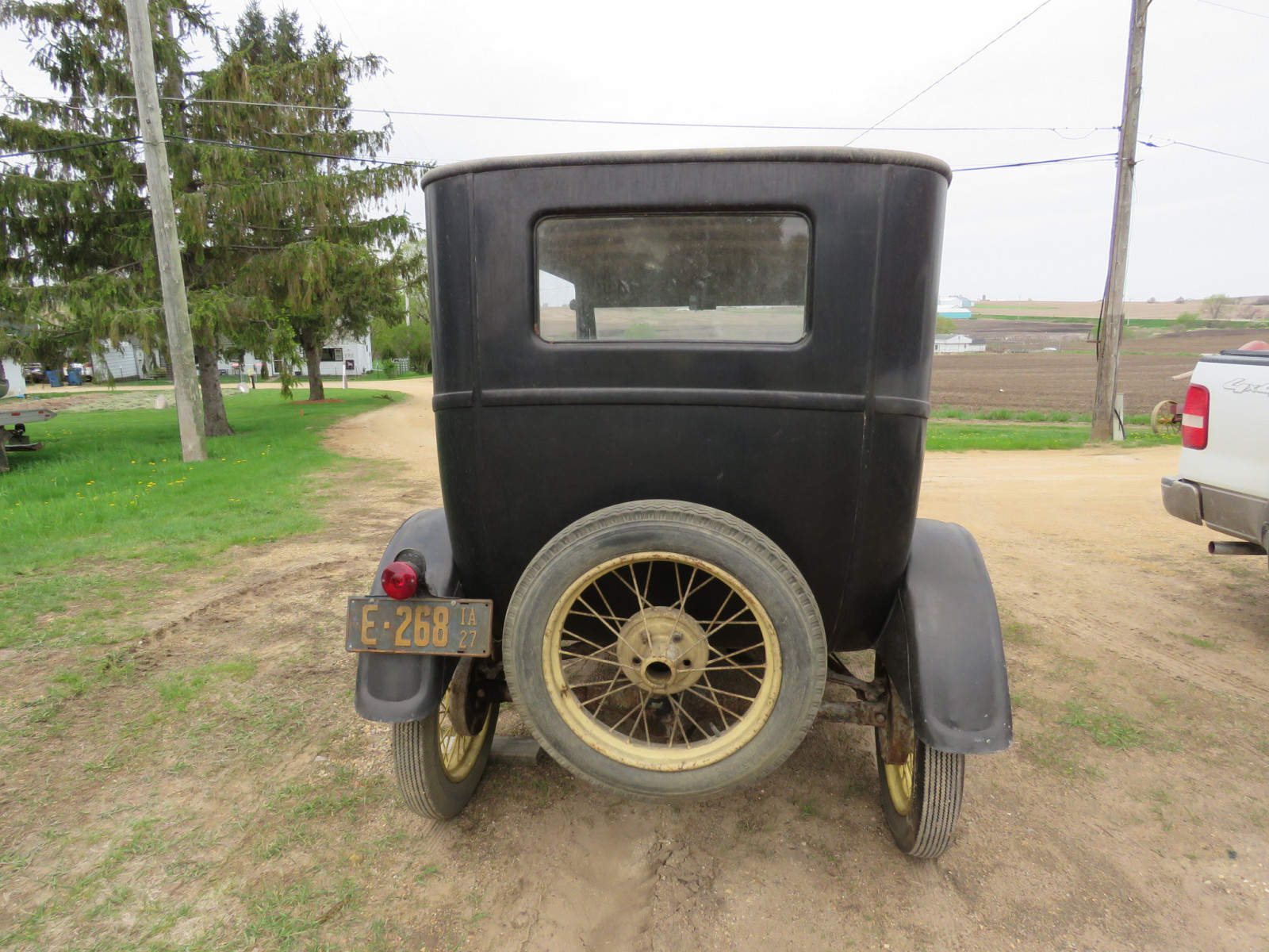 1927 Ford Model T 2dr Sedan - Image 5