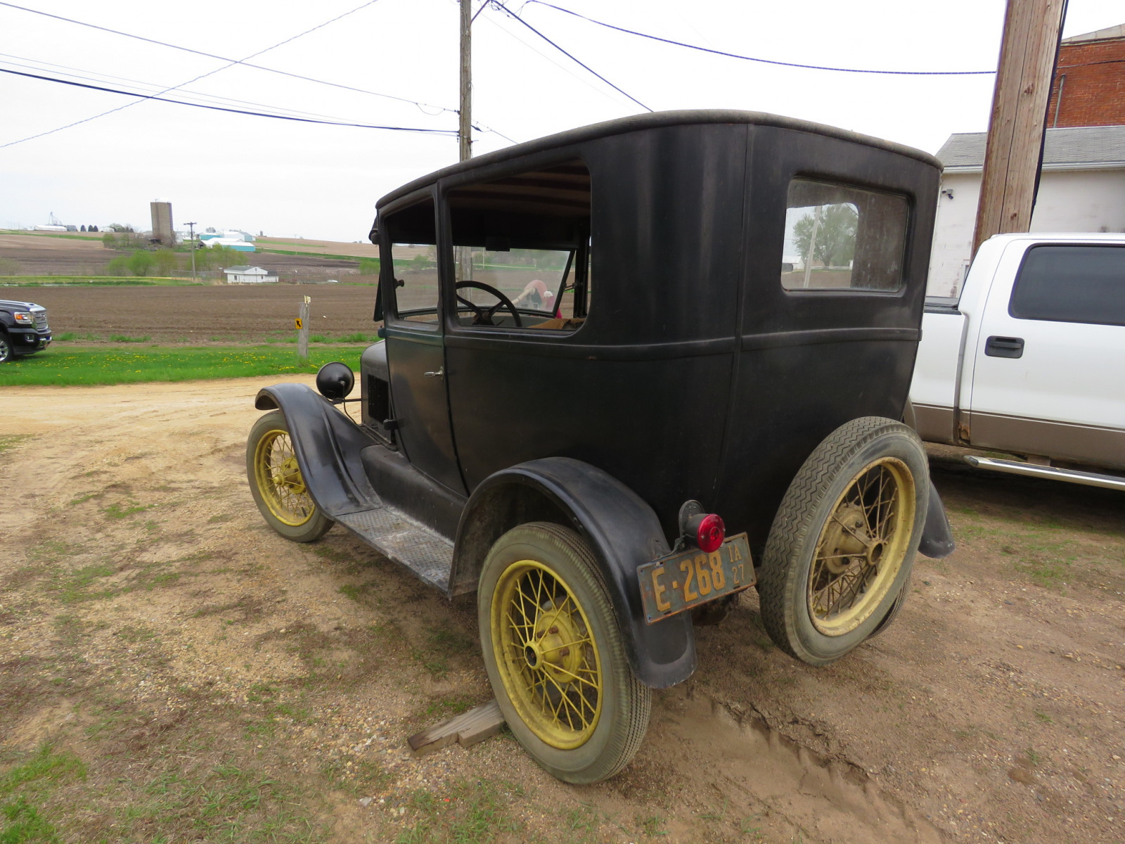 1927 Ford Model T 2dr Sedan - Image 6