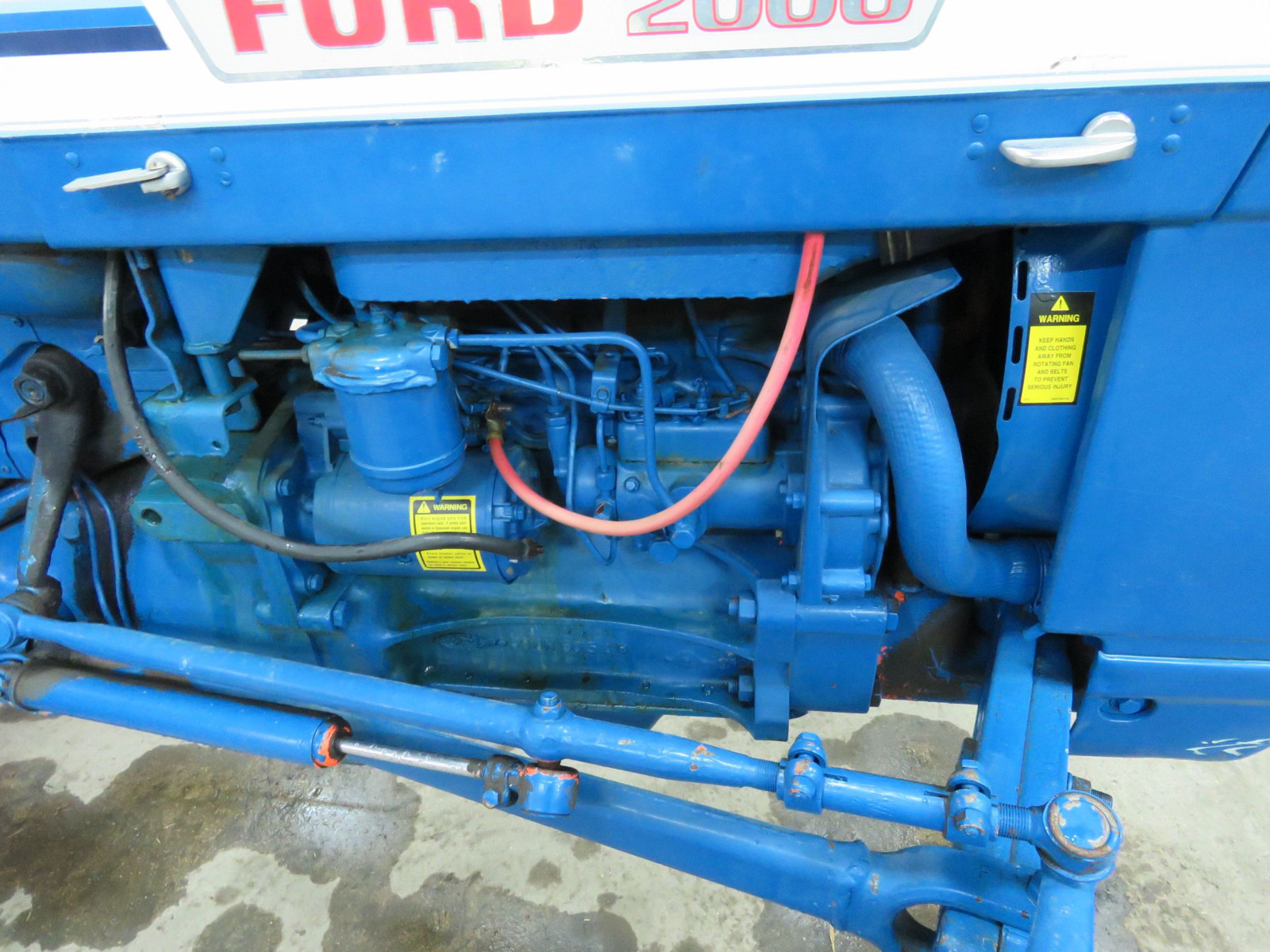 1972 Ford 2000 Tractor - Image 2