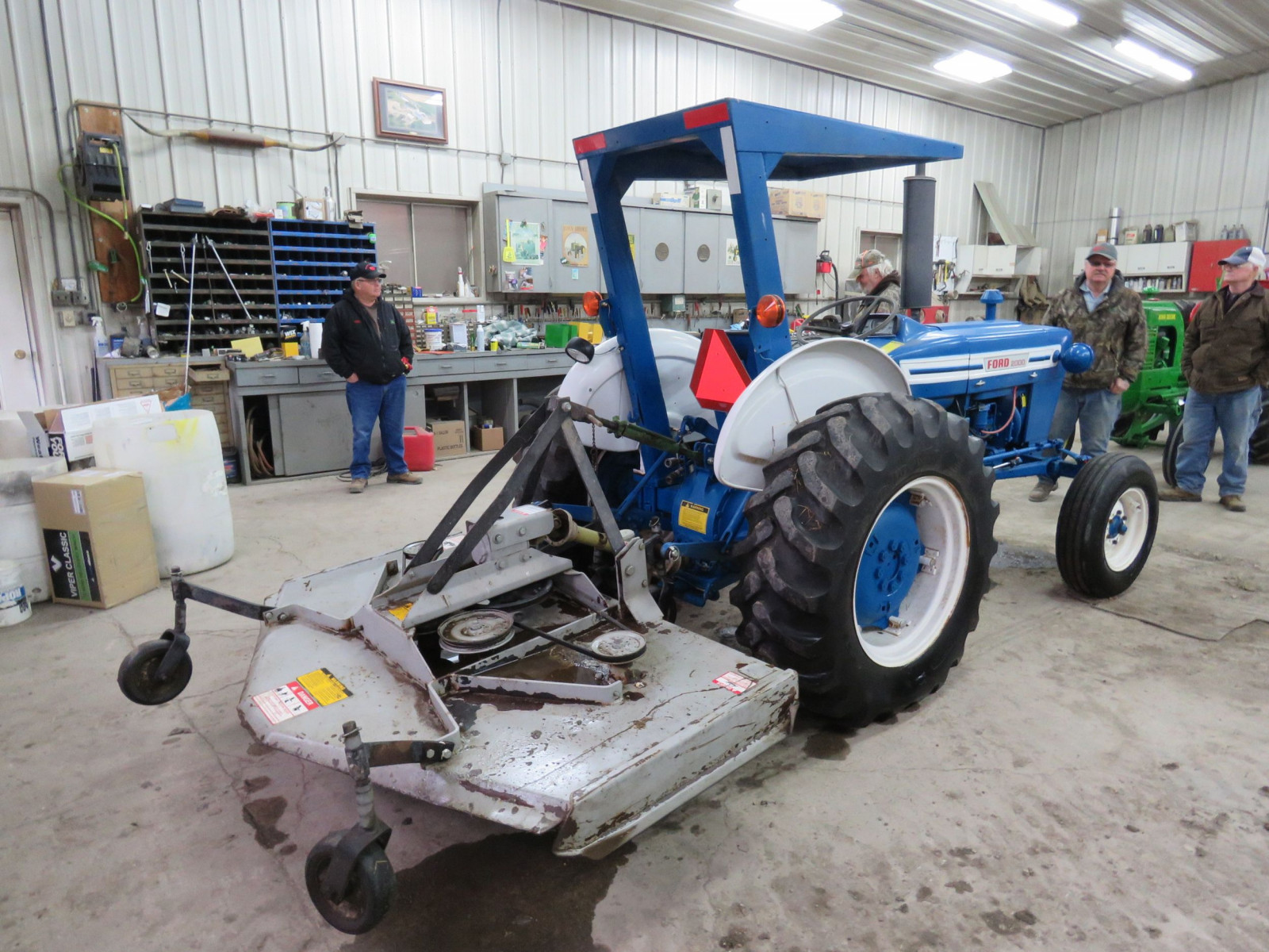1972 Ford 2000 Tractor - Image 3