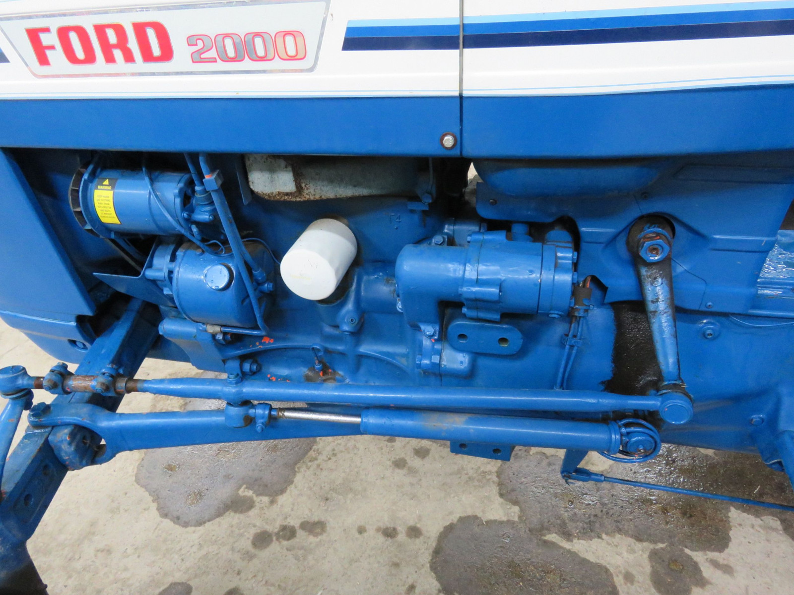 1972 Ford 2000 Tractor - Image 7