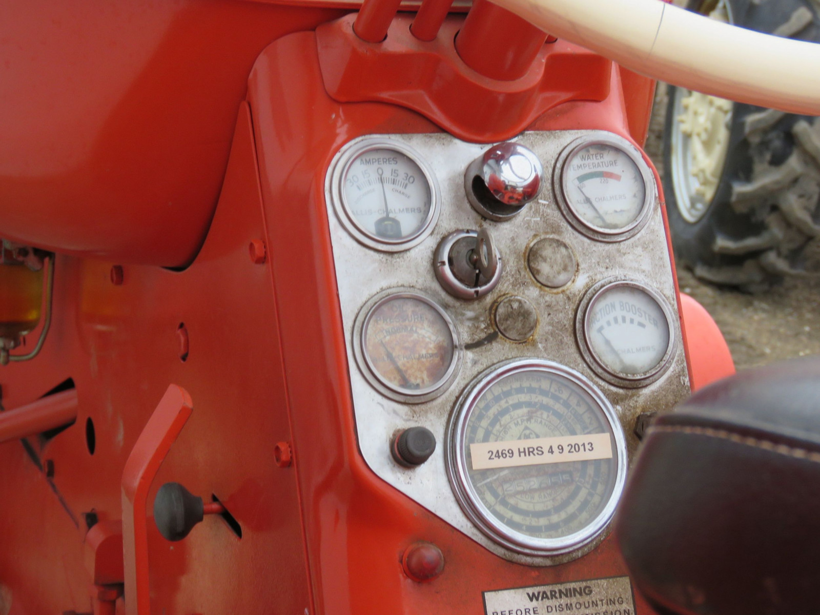 Allis Chalmers D17 Tractor - Image 7
