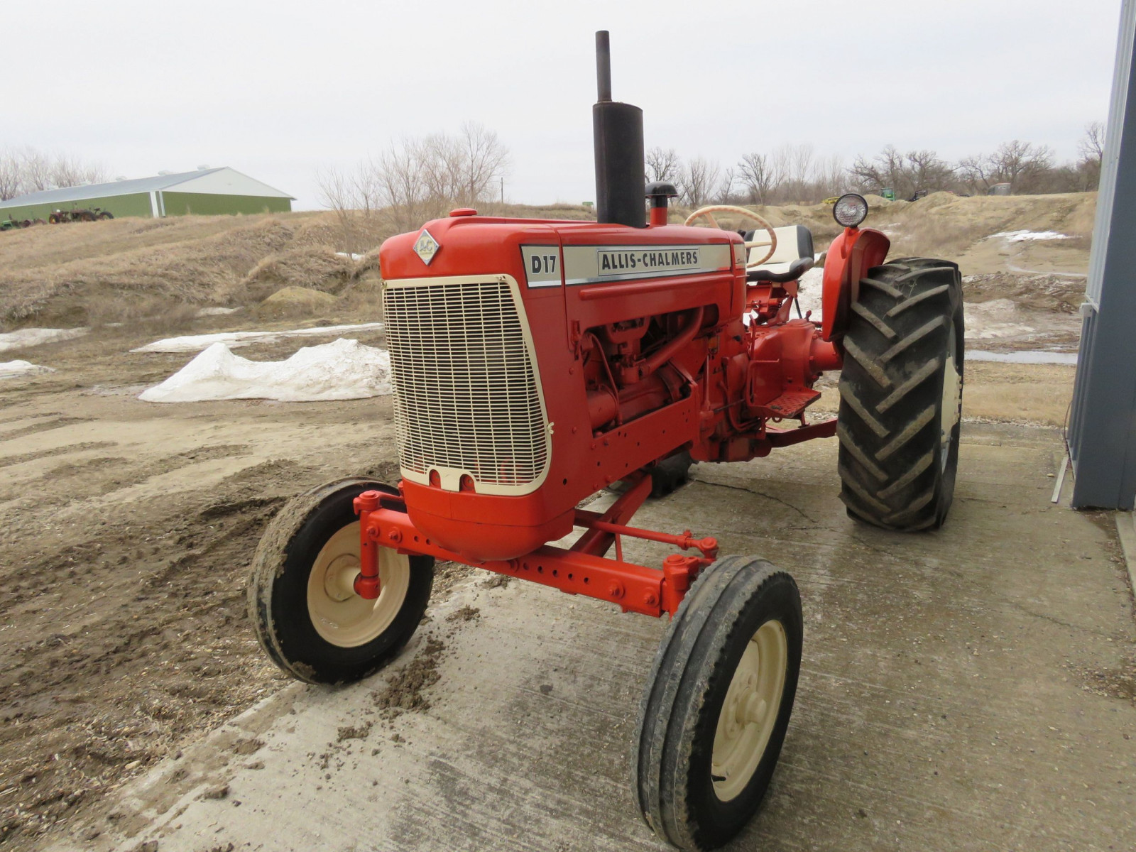 Allis Chalmers D17 Tractor - Image 9