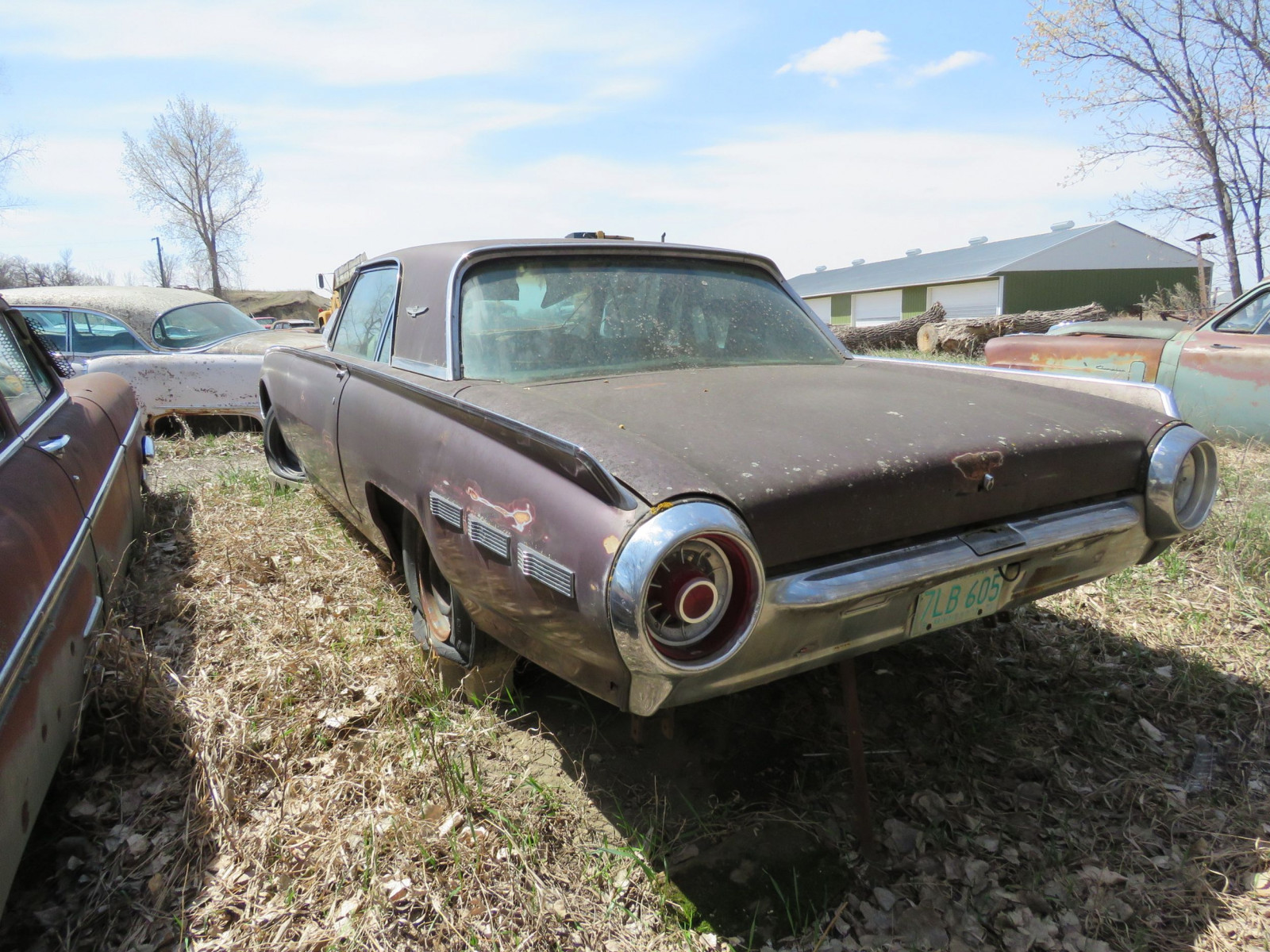 1962 Ford Thunderbird 2dr HT 2Y83Z109189 - Image 3