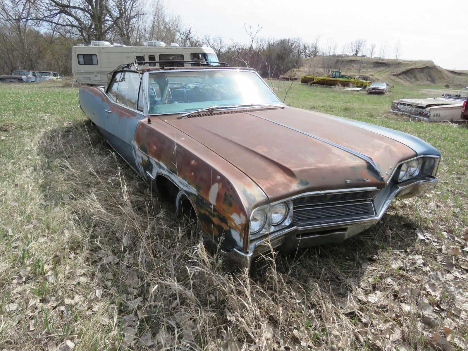 1960'S Buick Wildcat for Project or Parts - Image 3