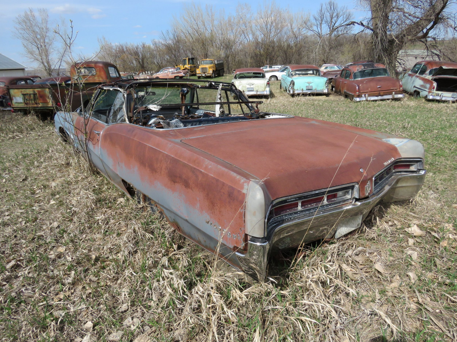 1960'S Buick Wildcat for Project or Parts - Image 6