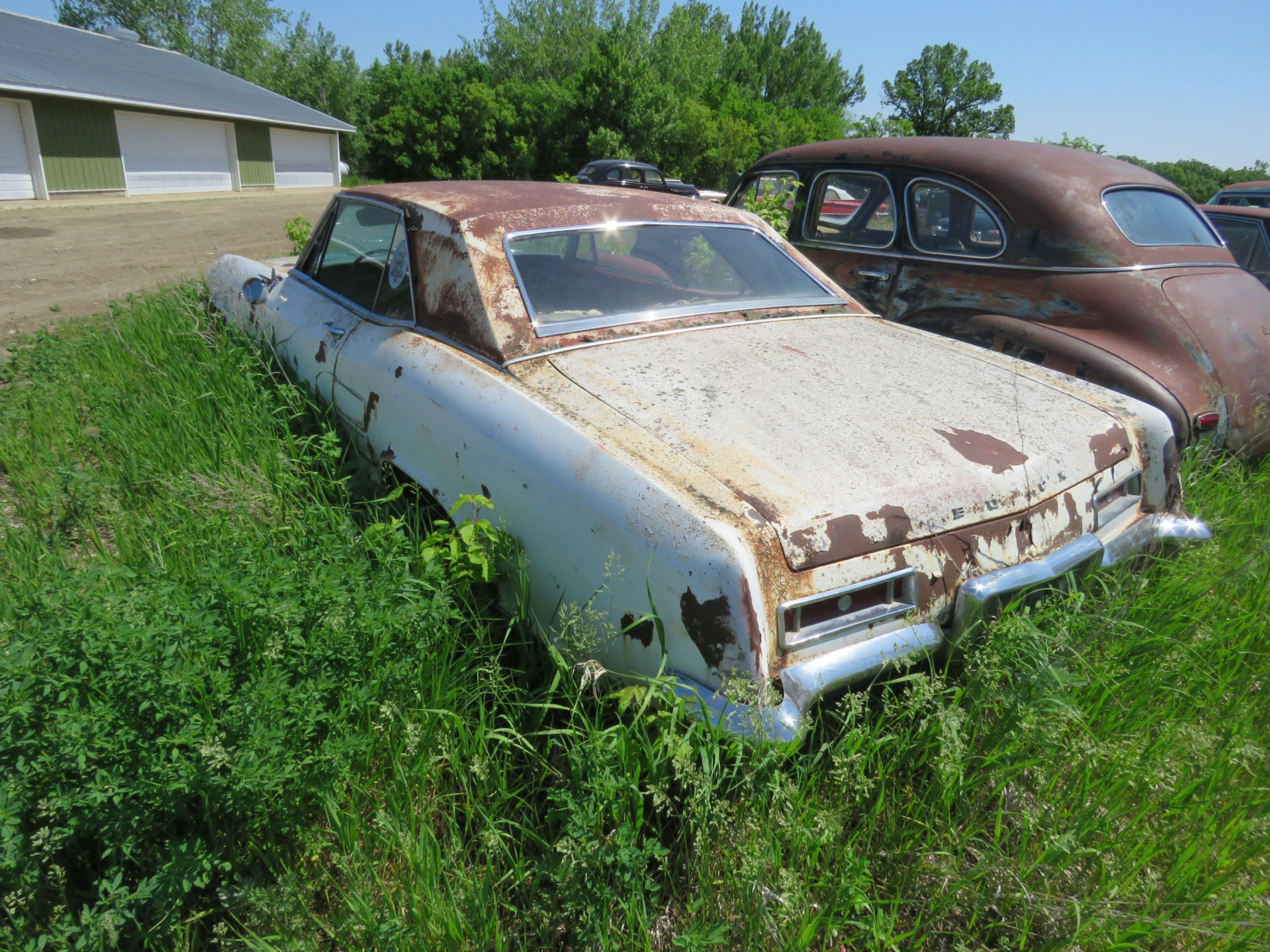 1960's Buick Riviera Coupe for project or parts - Image 3