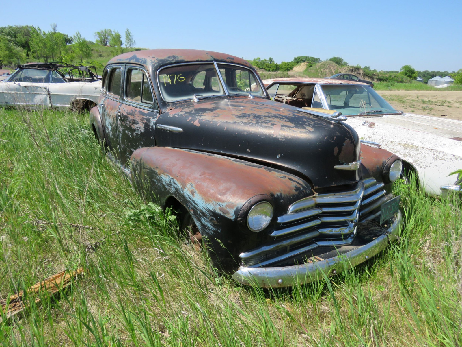 1947 Chevrolet Fleet master 4dr Sedan for Project or parts - Image 1