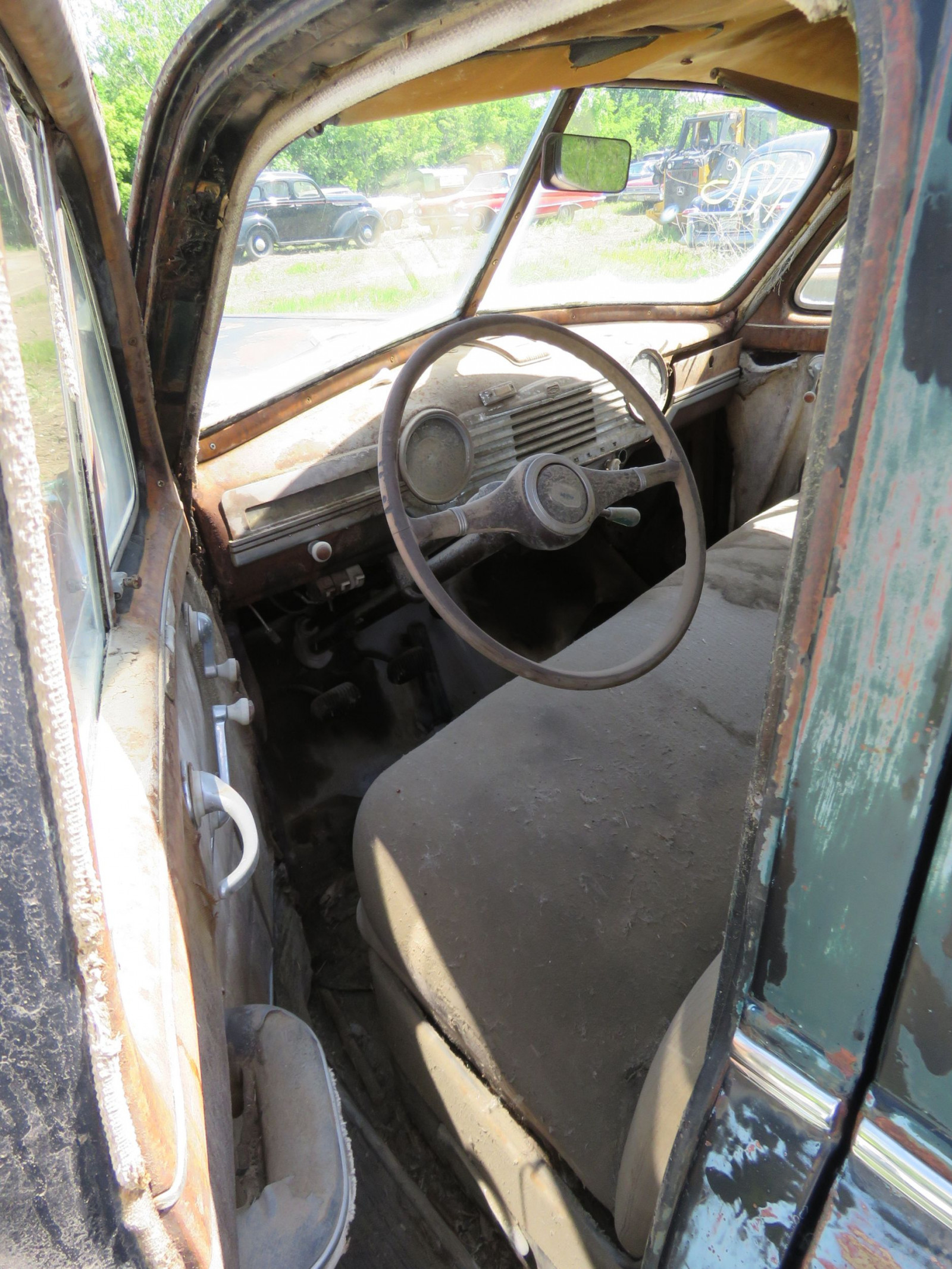 1947 Chevrolet Fleet master 4dr Sedan for Project or parts - Image 7