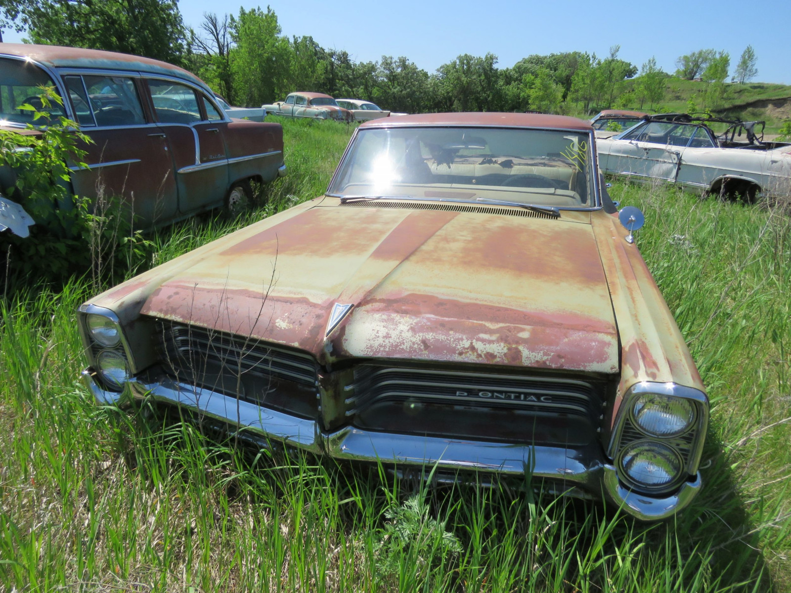 1964 Pontiac Catalina 4dr Sedan for Project or parts - Image 2