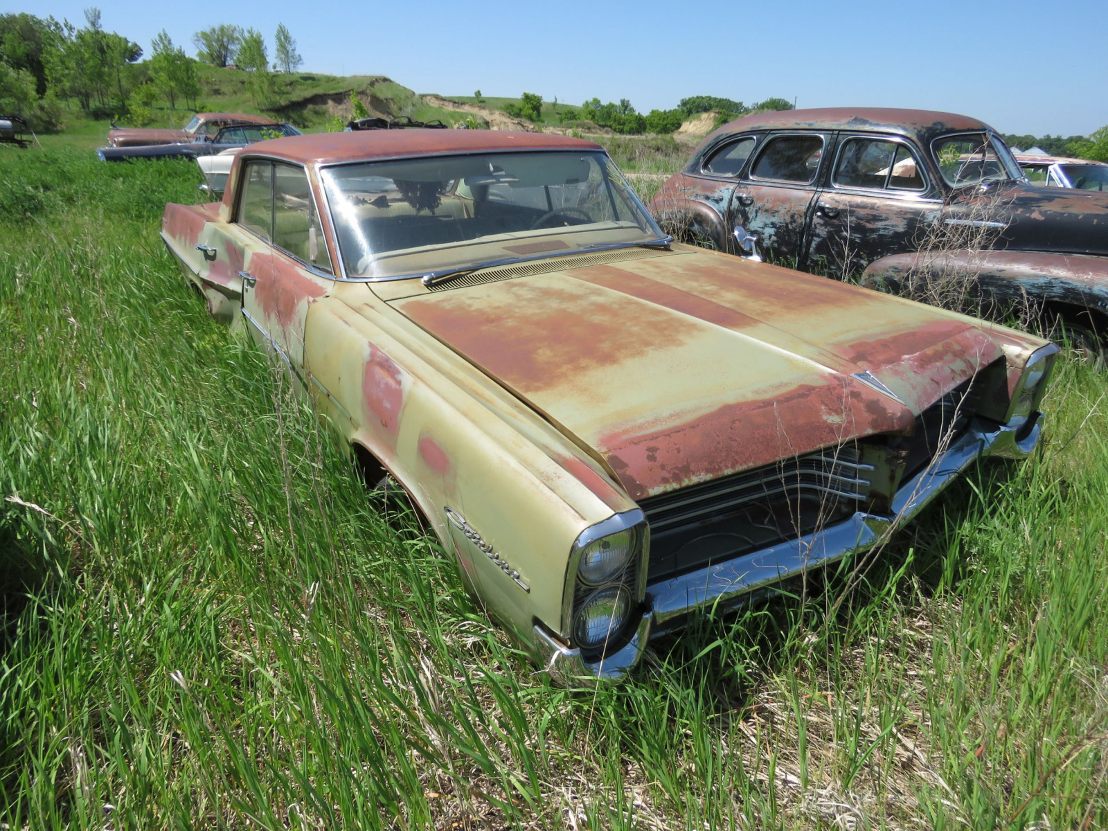 1964 Pontiac Catalina 4dr Sedan for Project or parts - Image 3