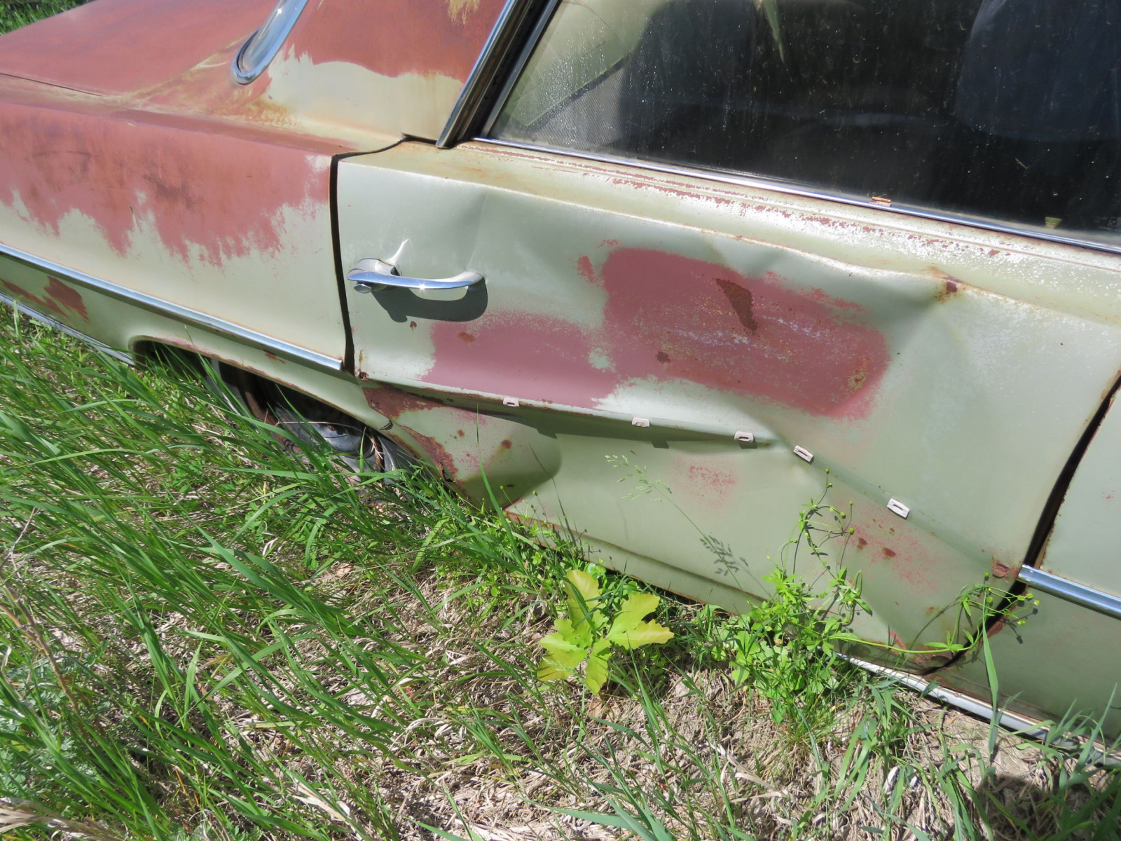 1964 Pontiac Catalina 4dr Sedan for Project or parts - Image 4