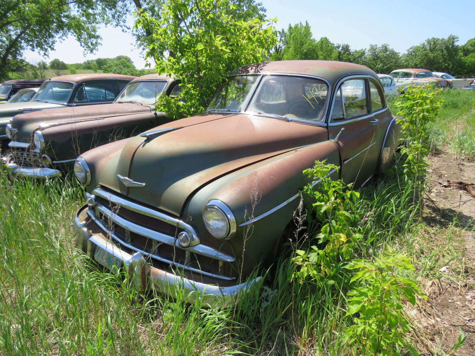 1950 Chevrolet Deluxe 2dr Sedan for project or parts 21GK-121077 - Image 1