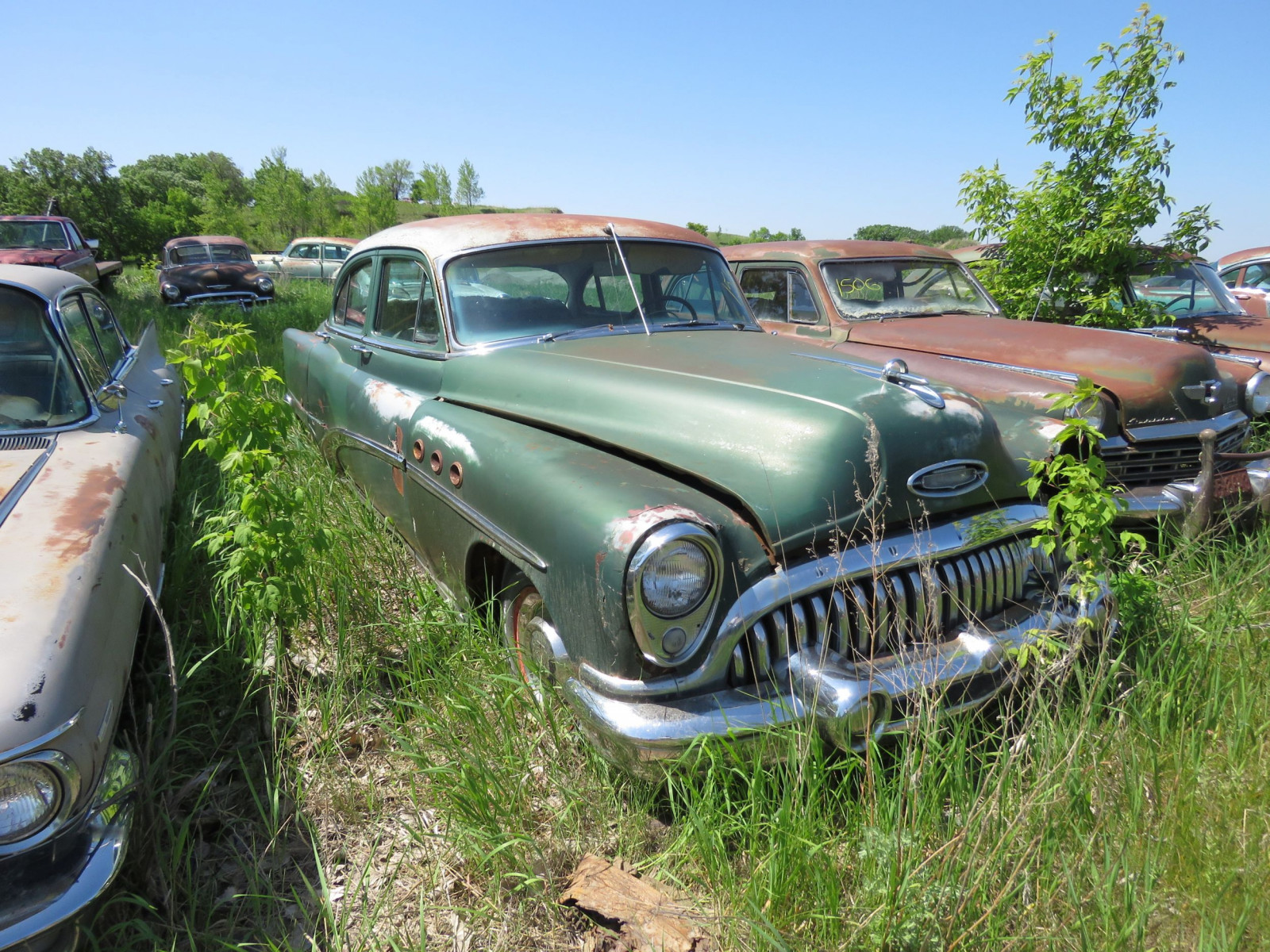 1953 Buick 8 4dr Sedan for Project or parts - Image 2