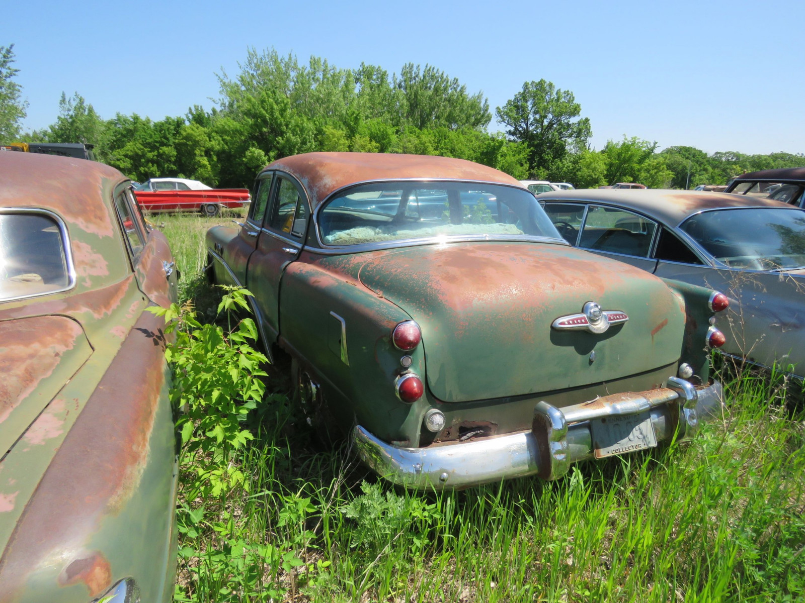 1953 Buick 8 4dr Sedan for Project or parts - Image 4