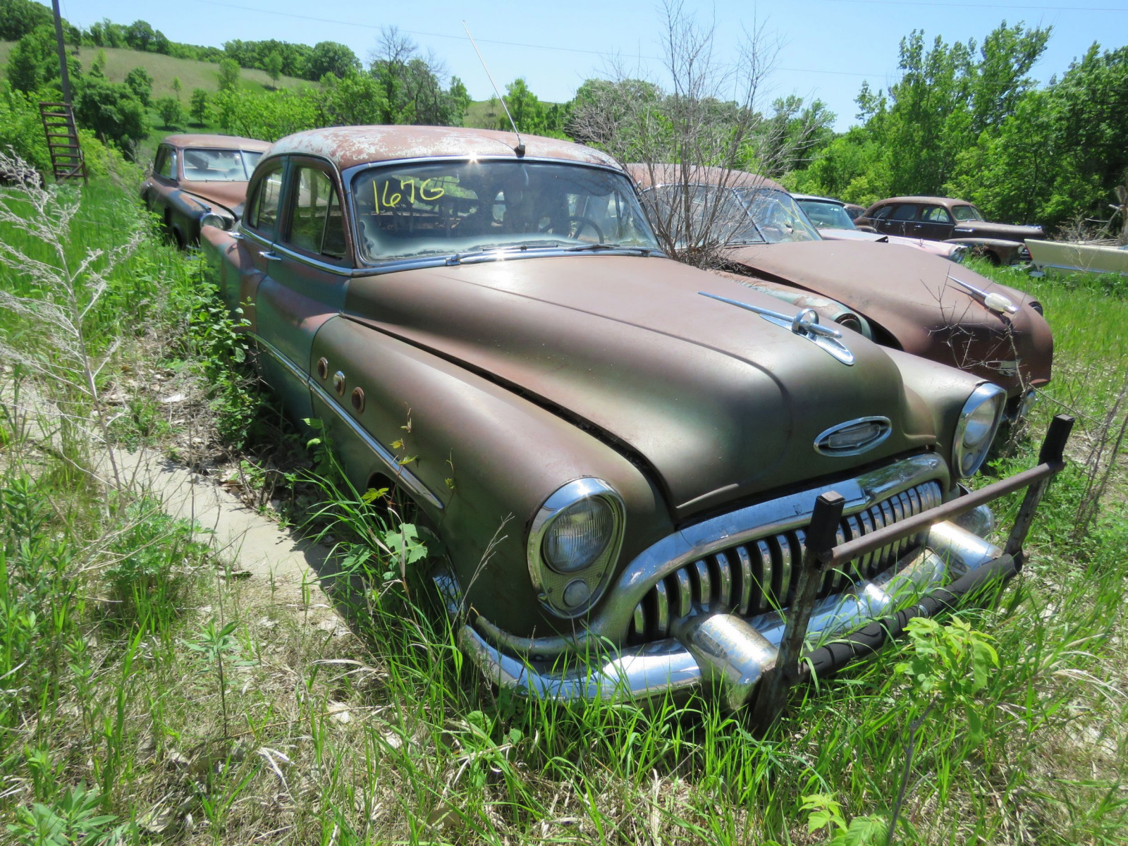 Buick 4dr Sedan for Project or parts - Image 1