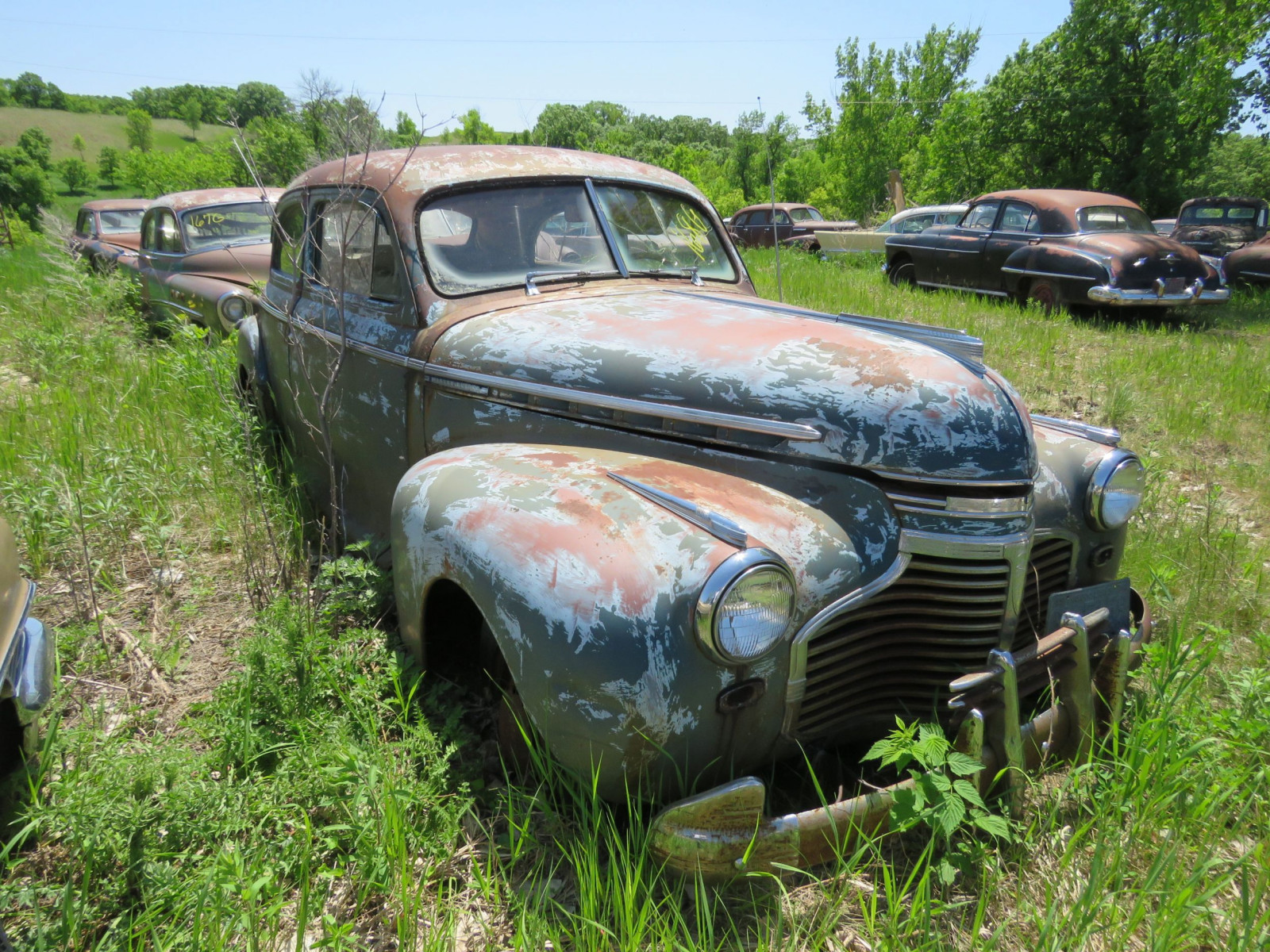 1941 Chevrolet 2dr Sedan for Project or parts - Image 2