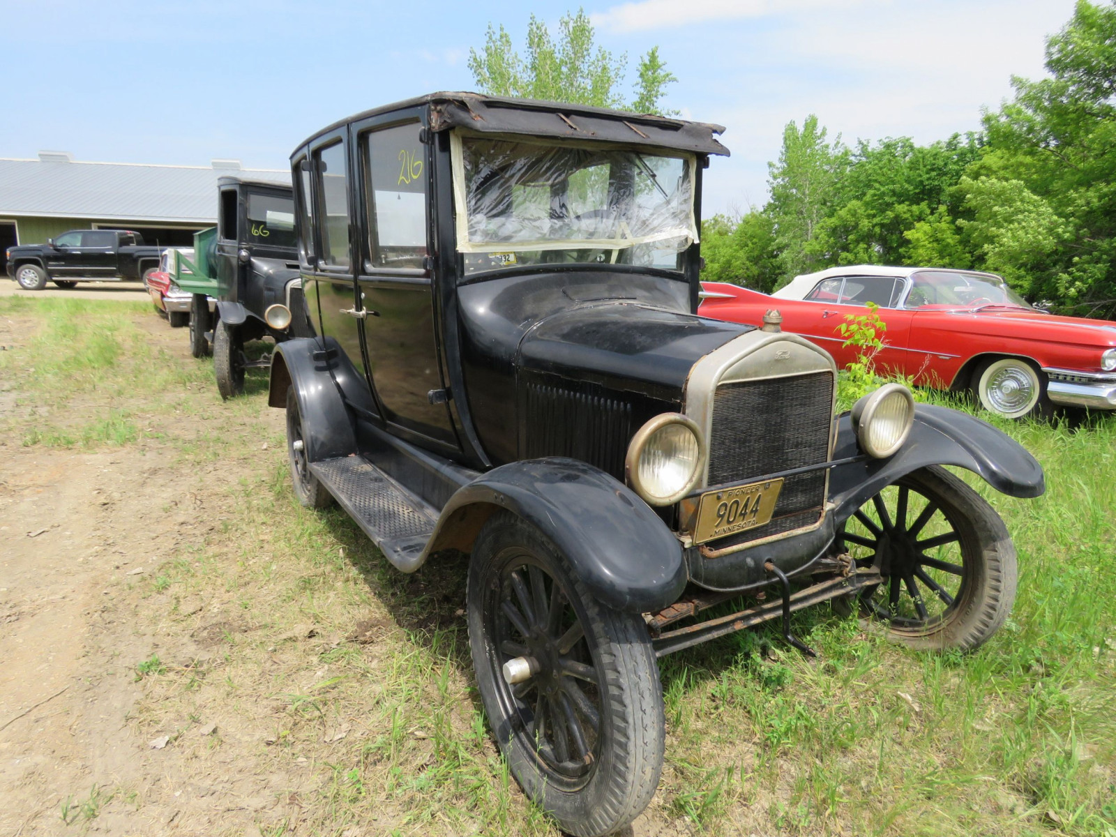 Ford Model T 4dr Sedan - Image 1