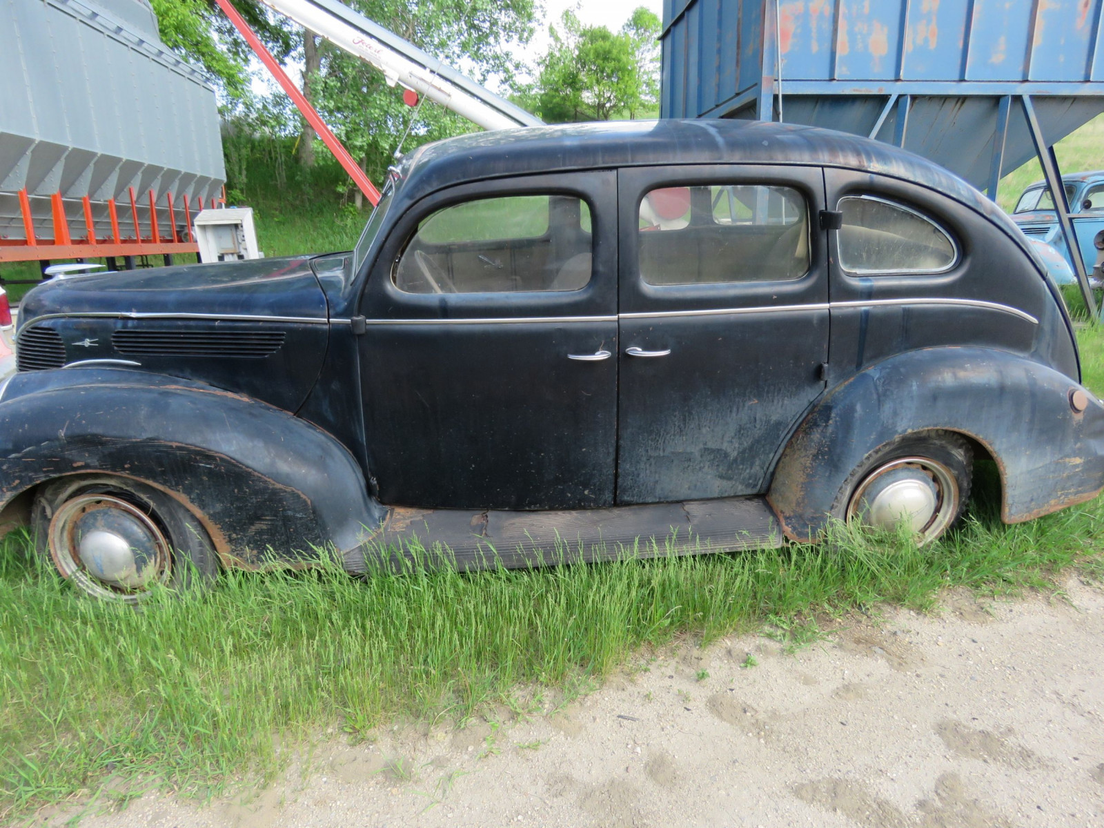 1938 Ford 4dr Sedan - Image 4