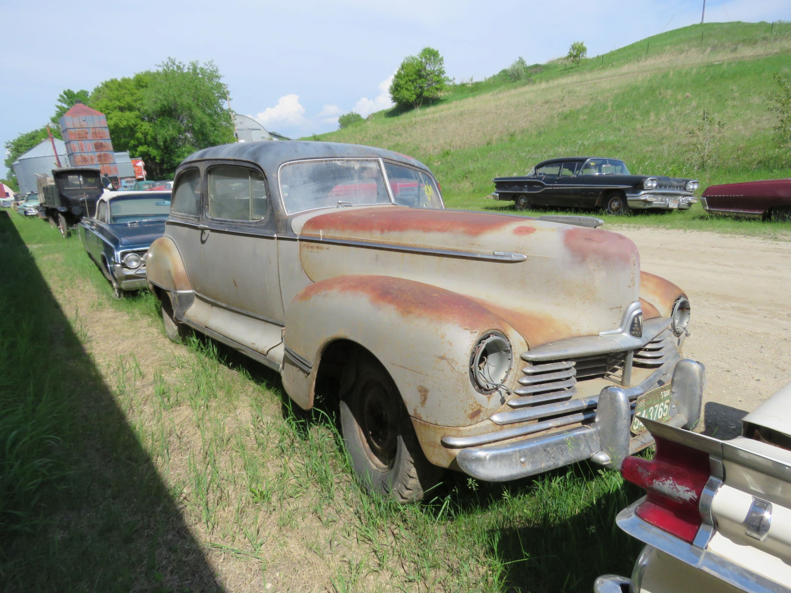 1946 Hudson 2dr Sedan for Rod or Restore - Image 2