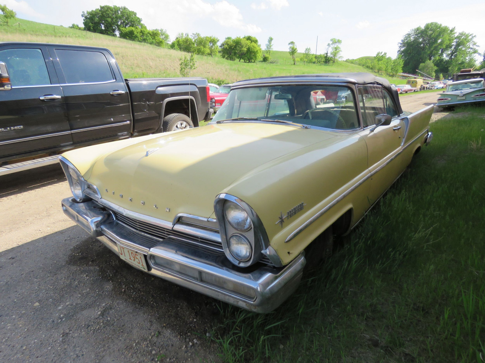 1957 Lincoln Premier Convertible - Image 1