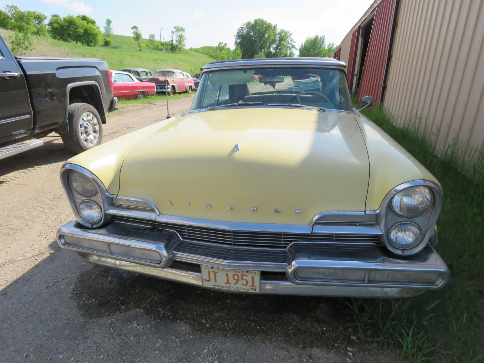 1957 Lincoln Premier Convertible - Image 2