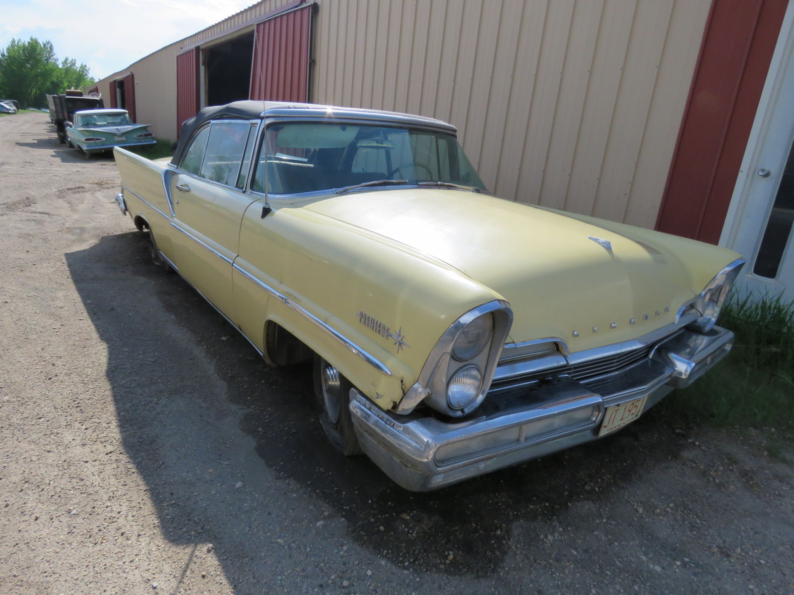 1957 Lincoln Premier Convertible - Image 3