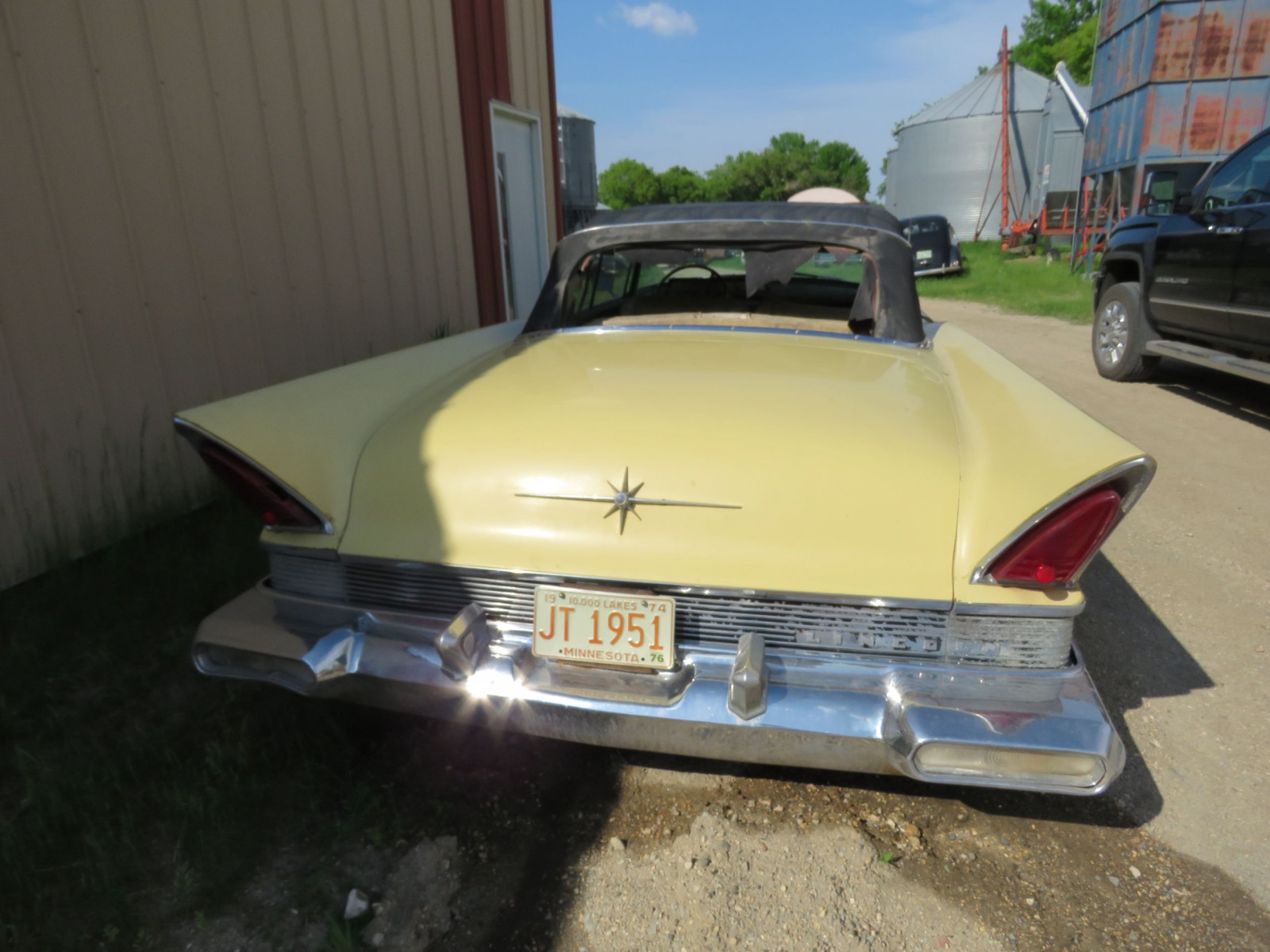 1957 Lincoln Premier Convertible - Image 6