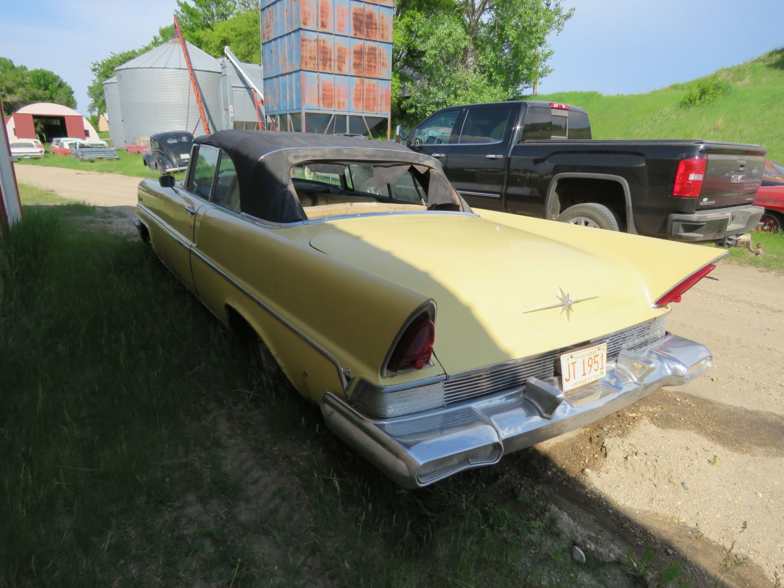 1957 Lincoln Premier Convertible - Image 7