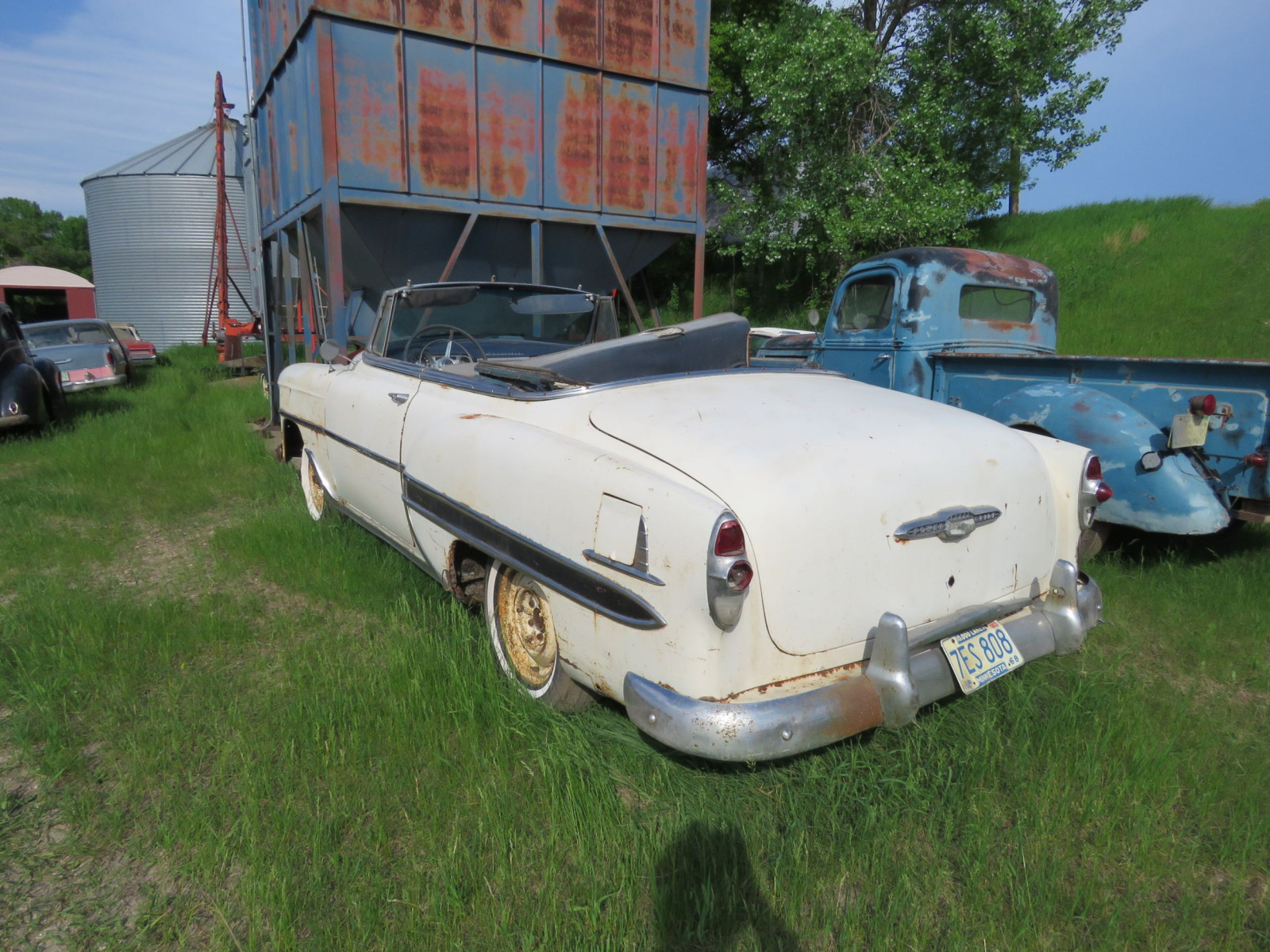 1953 Chevrolet Convertible for Restore - Image 4