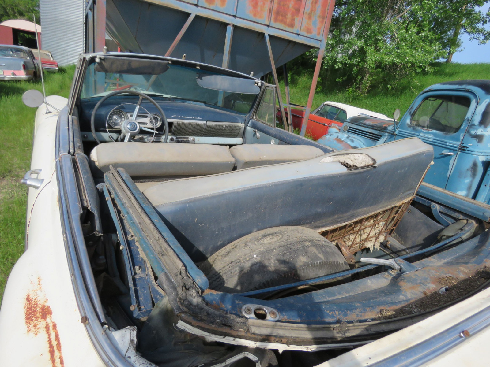 1953 Chevrolet Convertible for Restore - Image 7