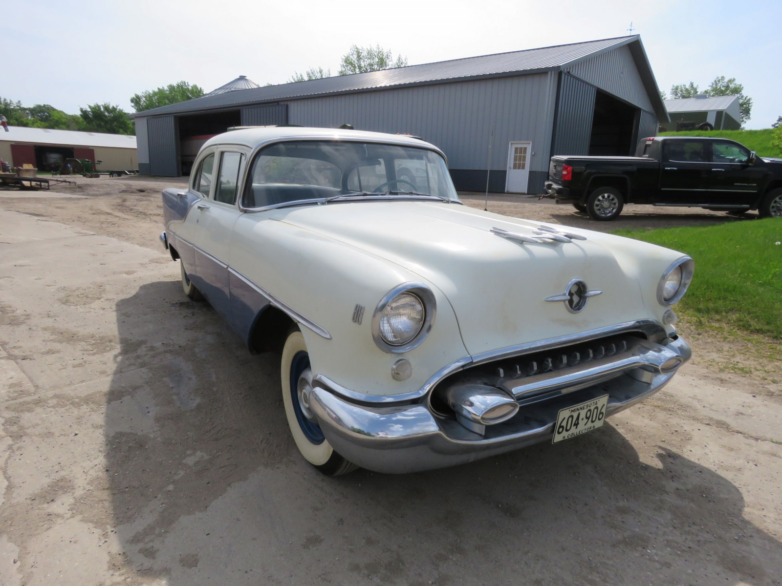 1955 Oldsmobile 88 4dr Sedan 557M72747 - Image 1