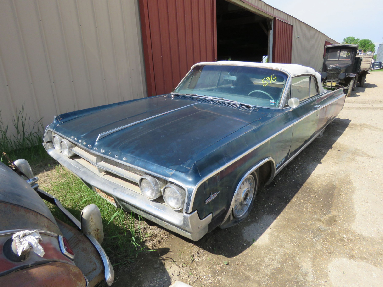1964 Oldsmobile 98 Convertible 884M302945 - Image 1